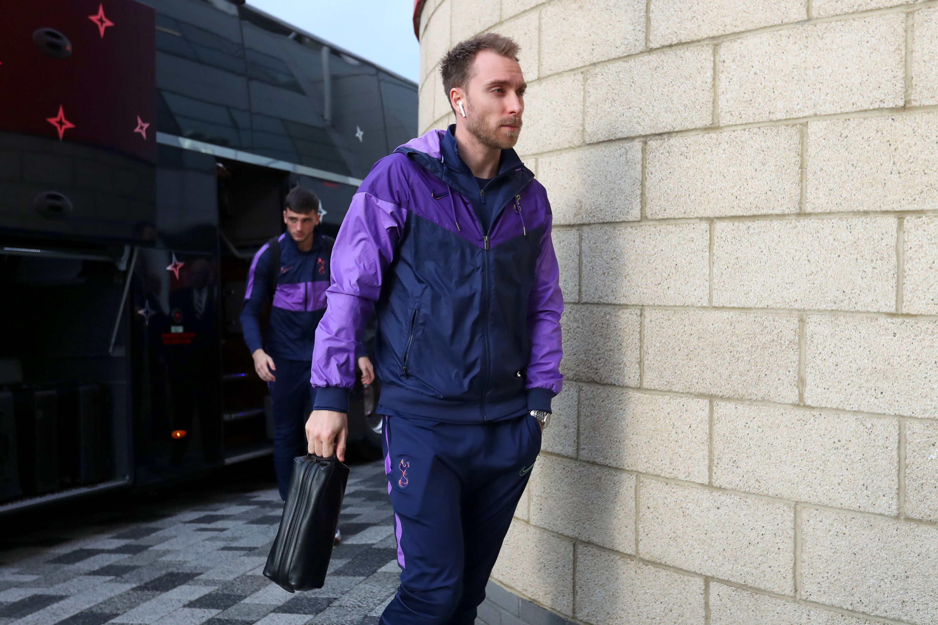 Eriksen twiddling thumbs, waiting for Tottenham to compromise on price