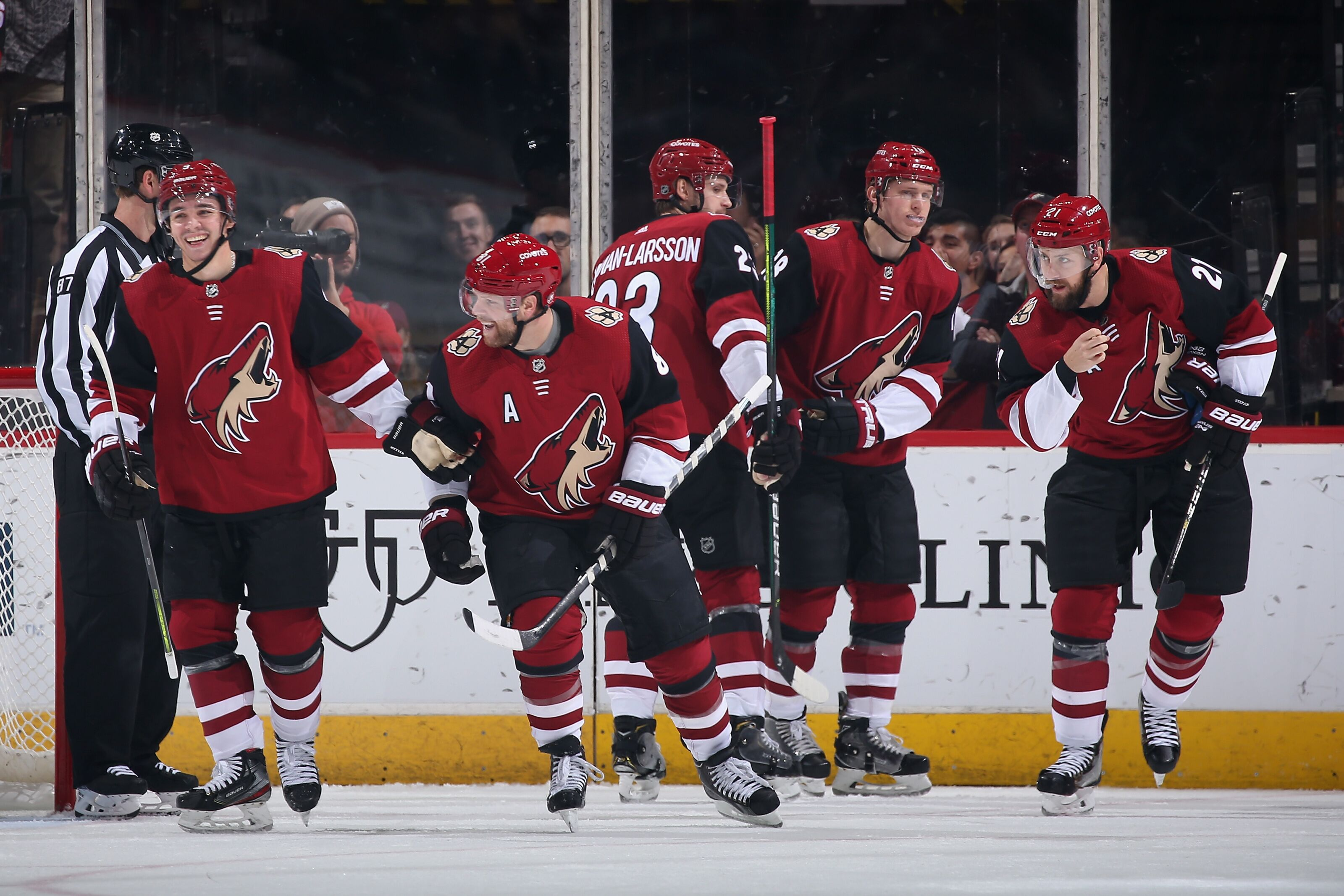 Arizona Coyotes' Disciplined Approach Shuts Down the Talented L.A. Kings!