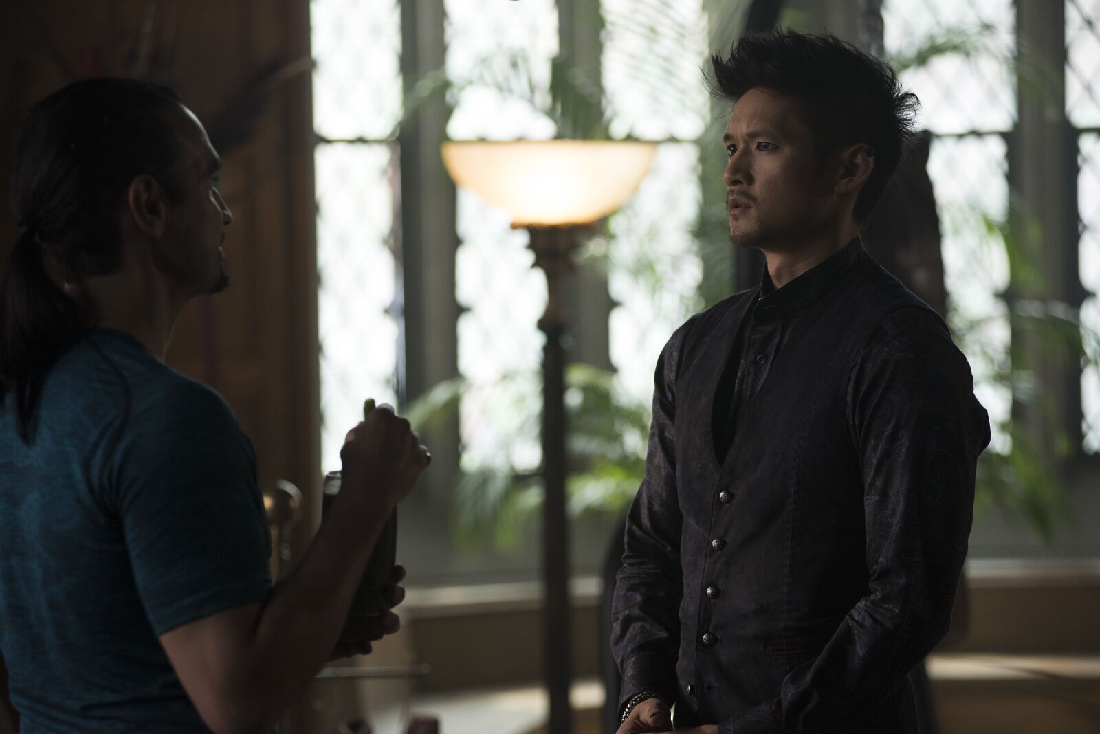 Shadowhunters: What is happening to Magnus' magic?