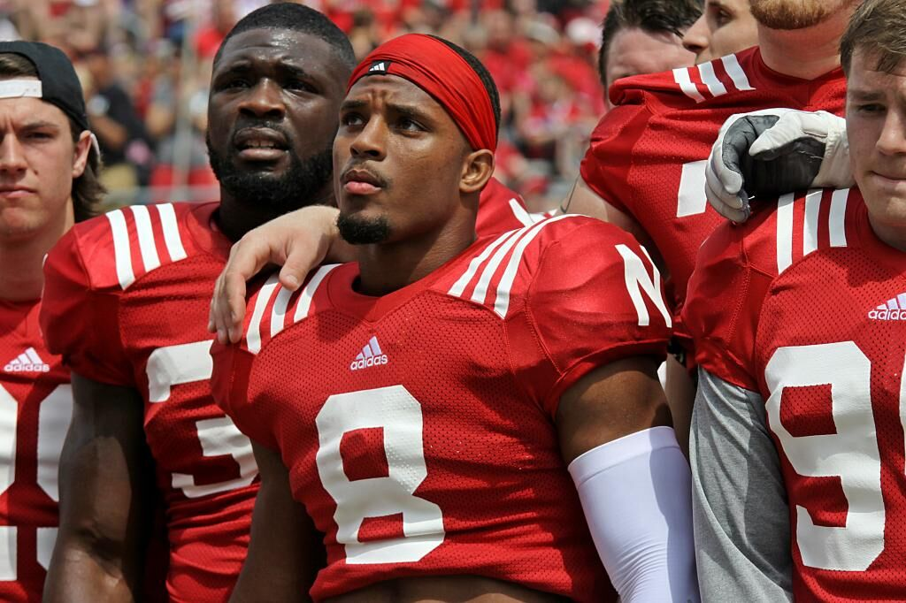 Huskers Football Near Senior Curse-Proof For 2014 Season ...