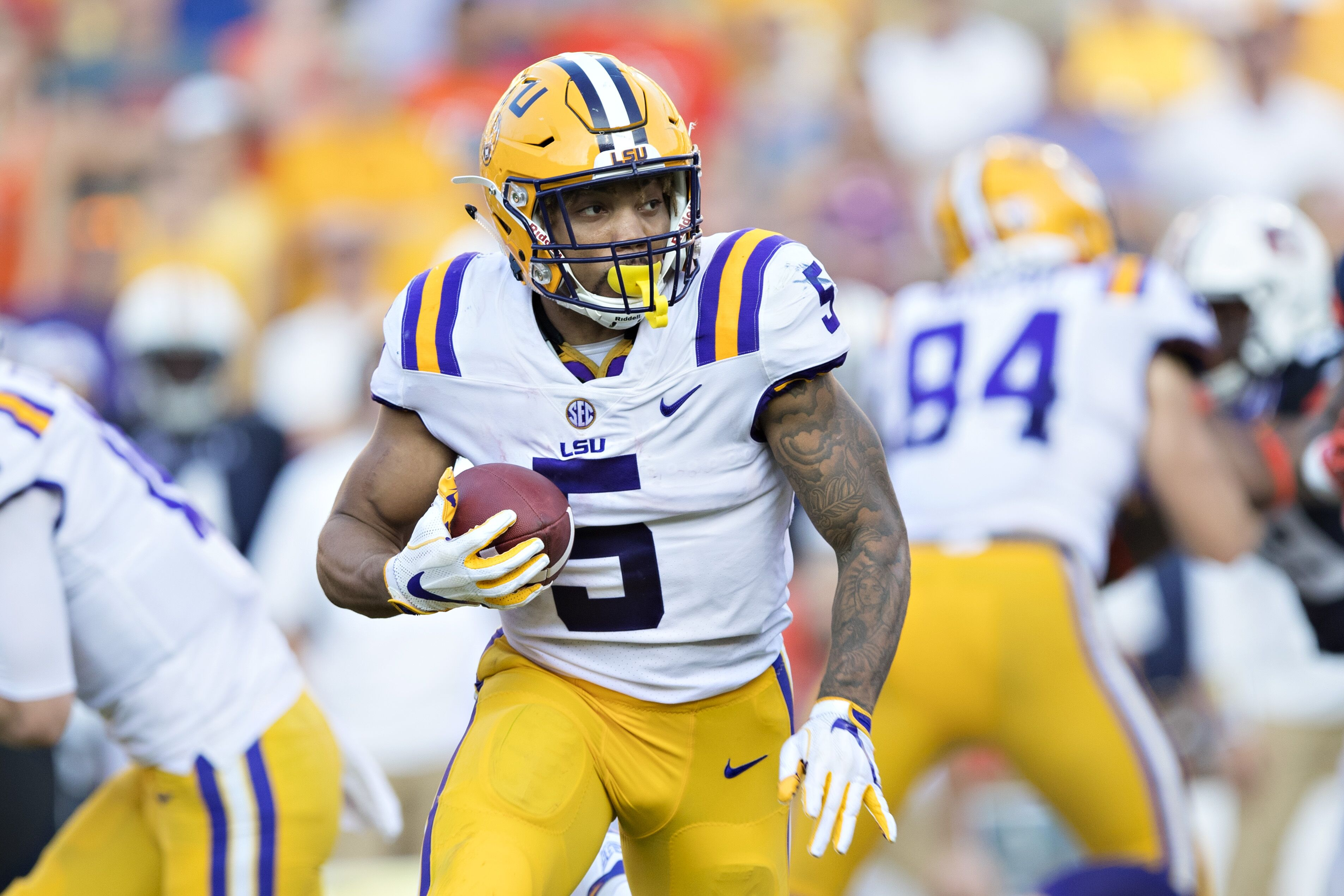 2017 2018 College Football Bowl Schedule >> Eagles are showing a lot of interest in LSU RB Derrius Guice