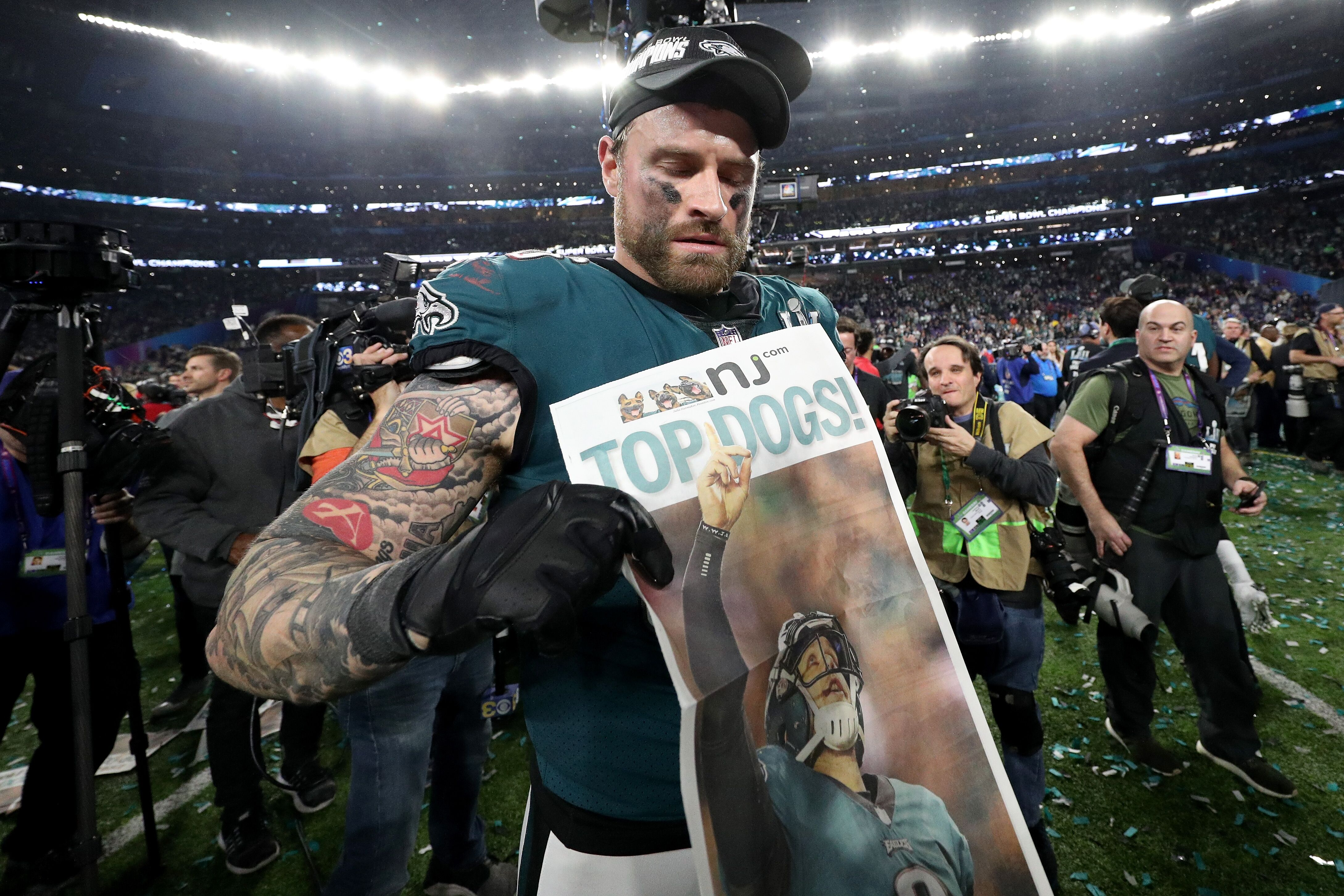 177fc0d57 Chris Long told the Eagles he will play this season
