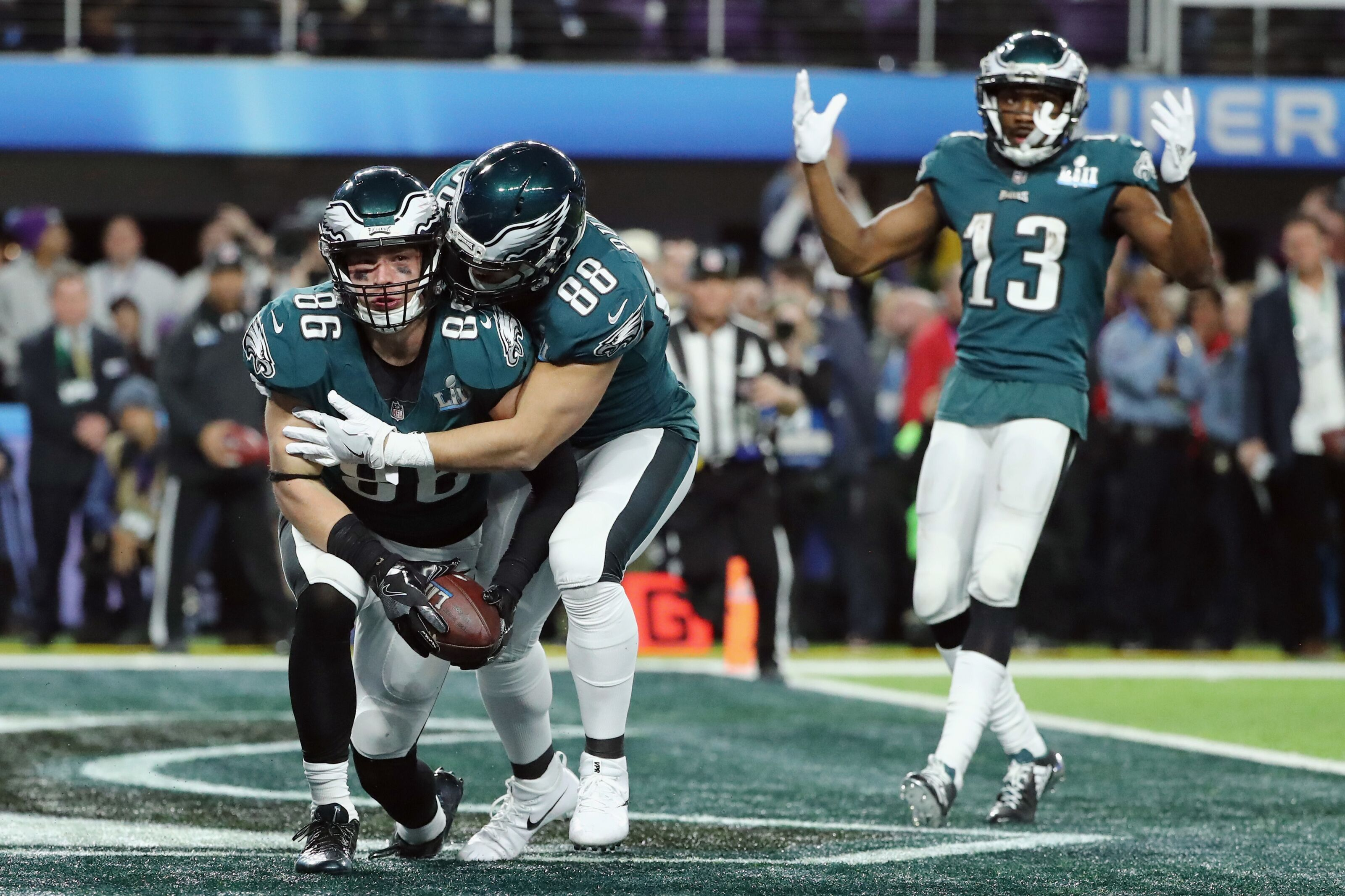 Eagles  Zach Ertz and Nelson Agholor will be busy versus Atlanta a96cd3bd9