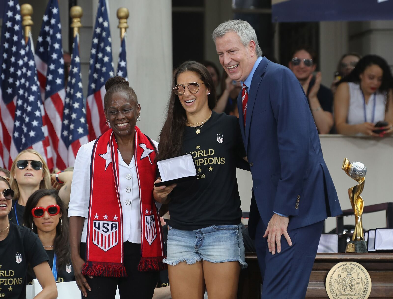 Philadelphia Eagles get a huge shout out from Carli Lloyd