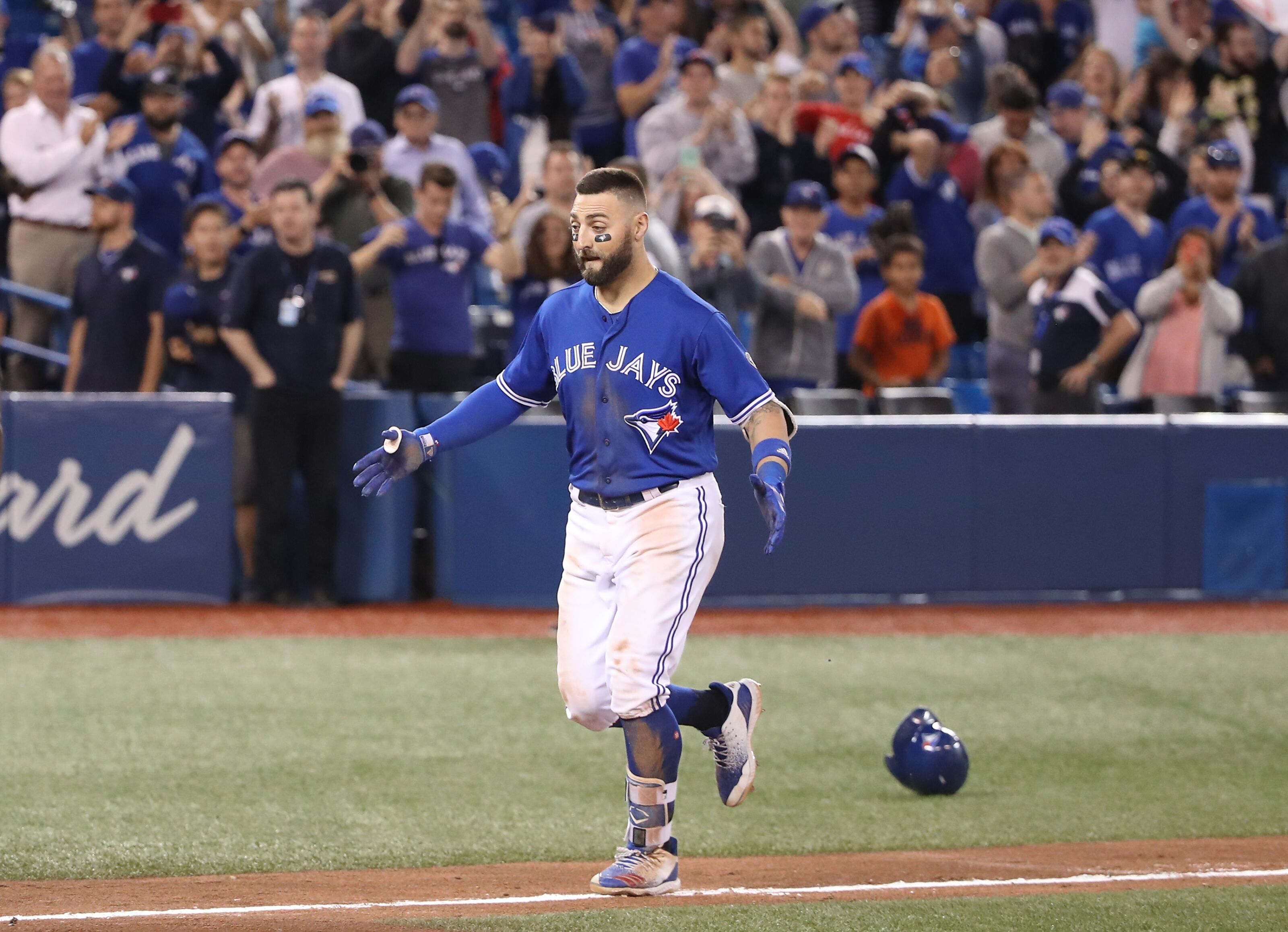 Blue Jays: Outfield depth makes Kevin Pillar expendable