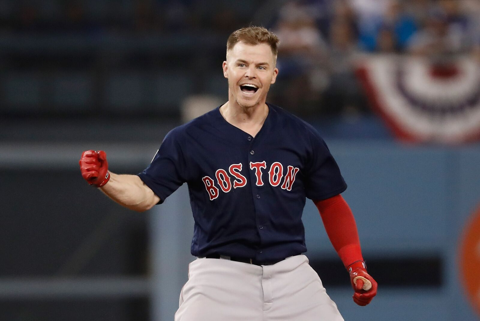 Blue Jays reportedly showing interest in free agent Brock Holt