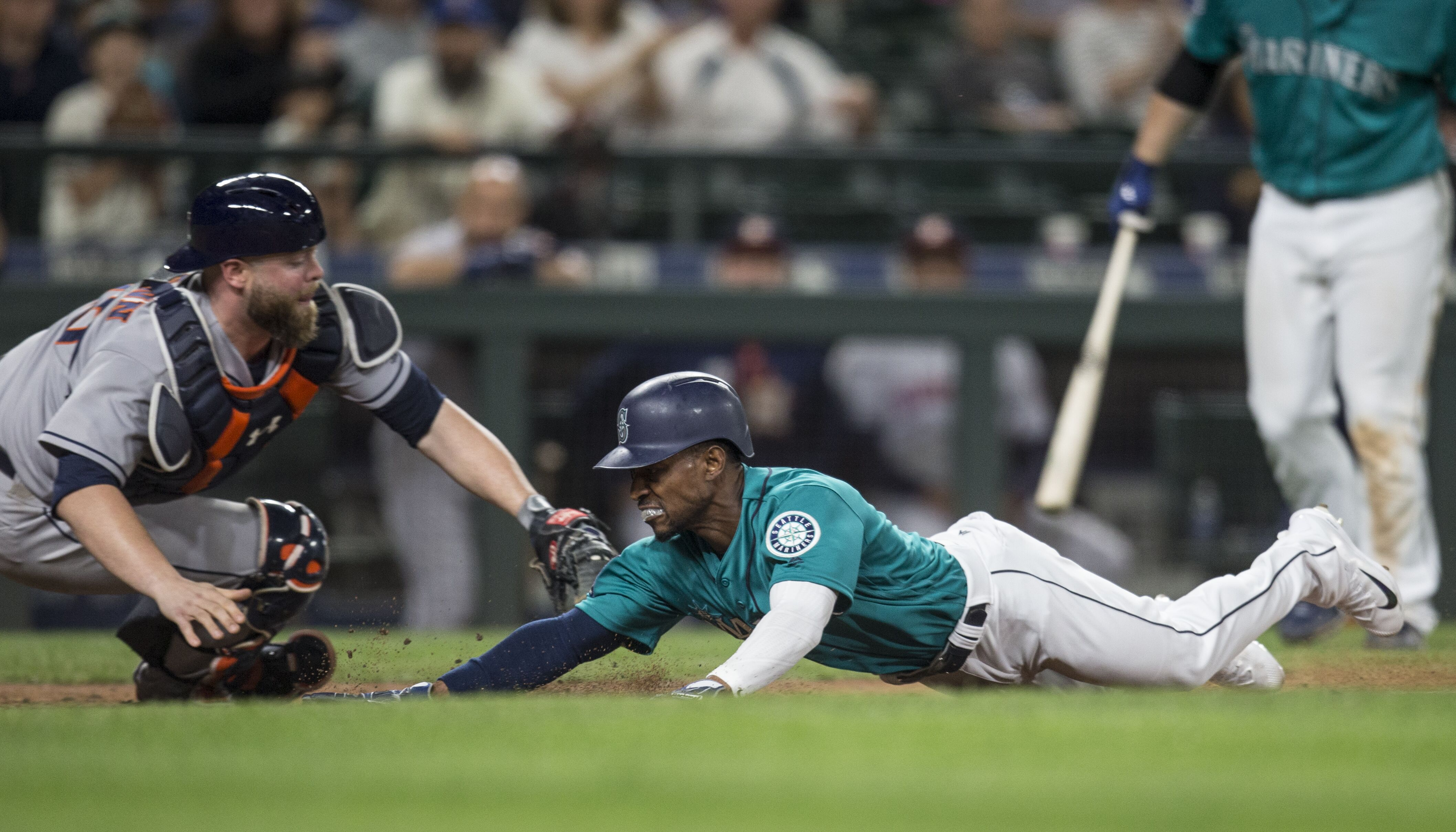 800239292-houston-astros-v-seattle-mariners.jpg