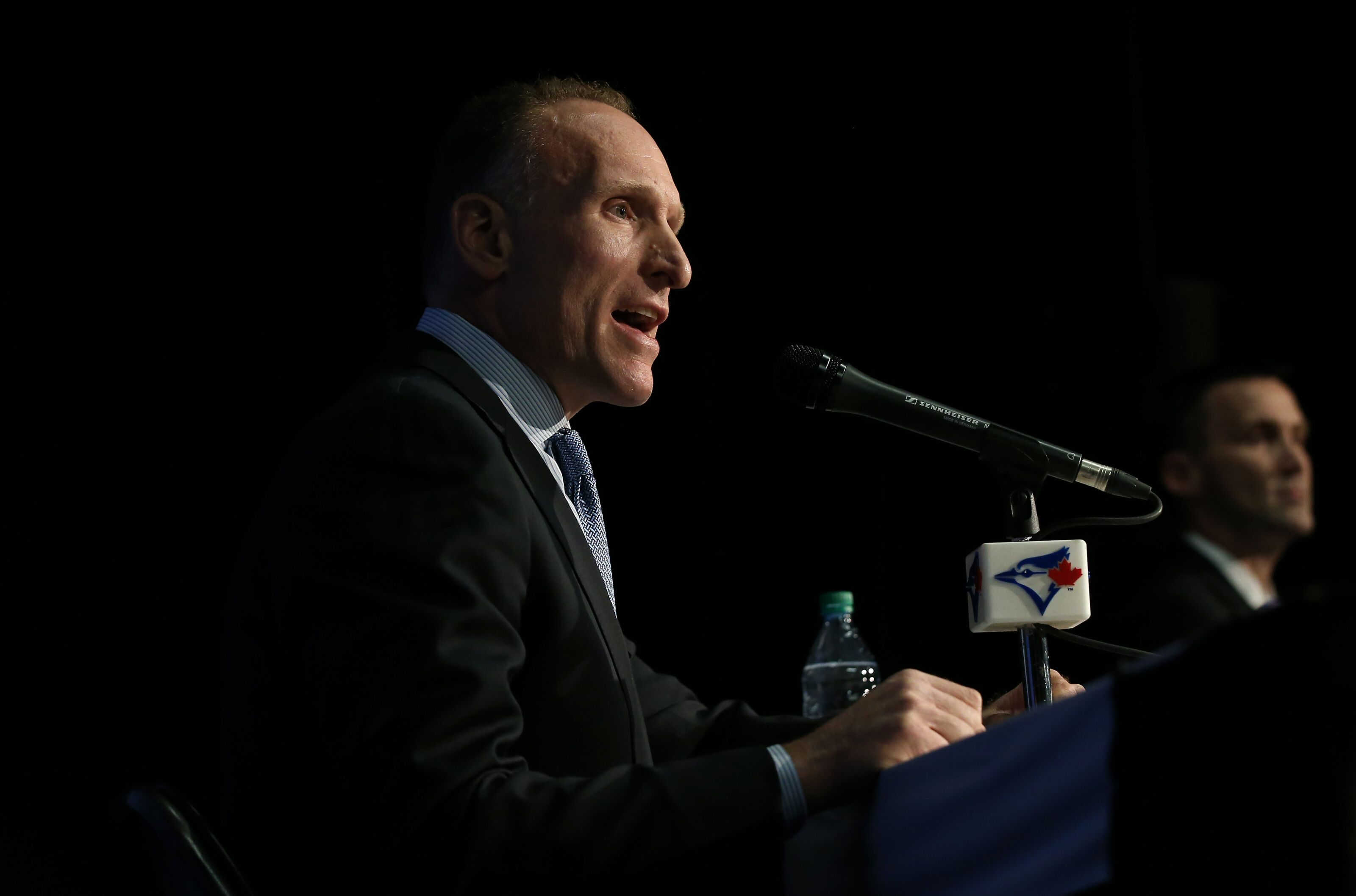 Blue Jays reportedly finalizing interview list for manager position