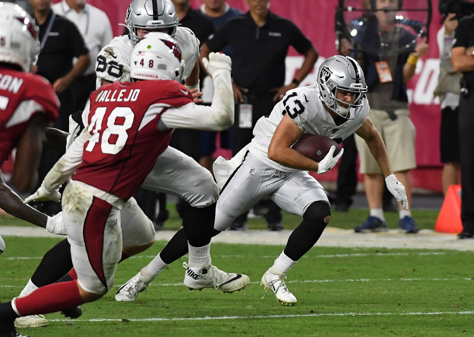 aaa51e3e Strong QB play helps the Oakland Raiders to victory in the desert