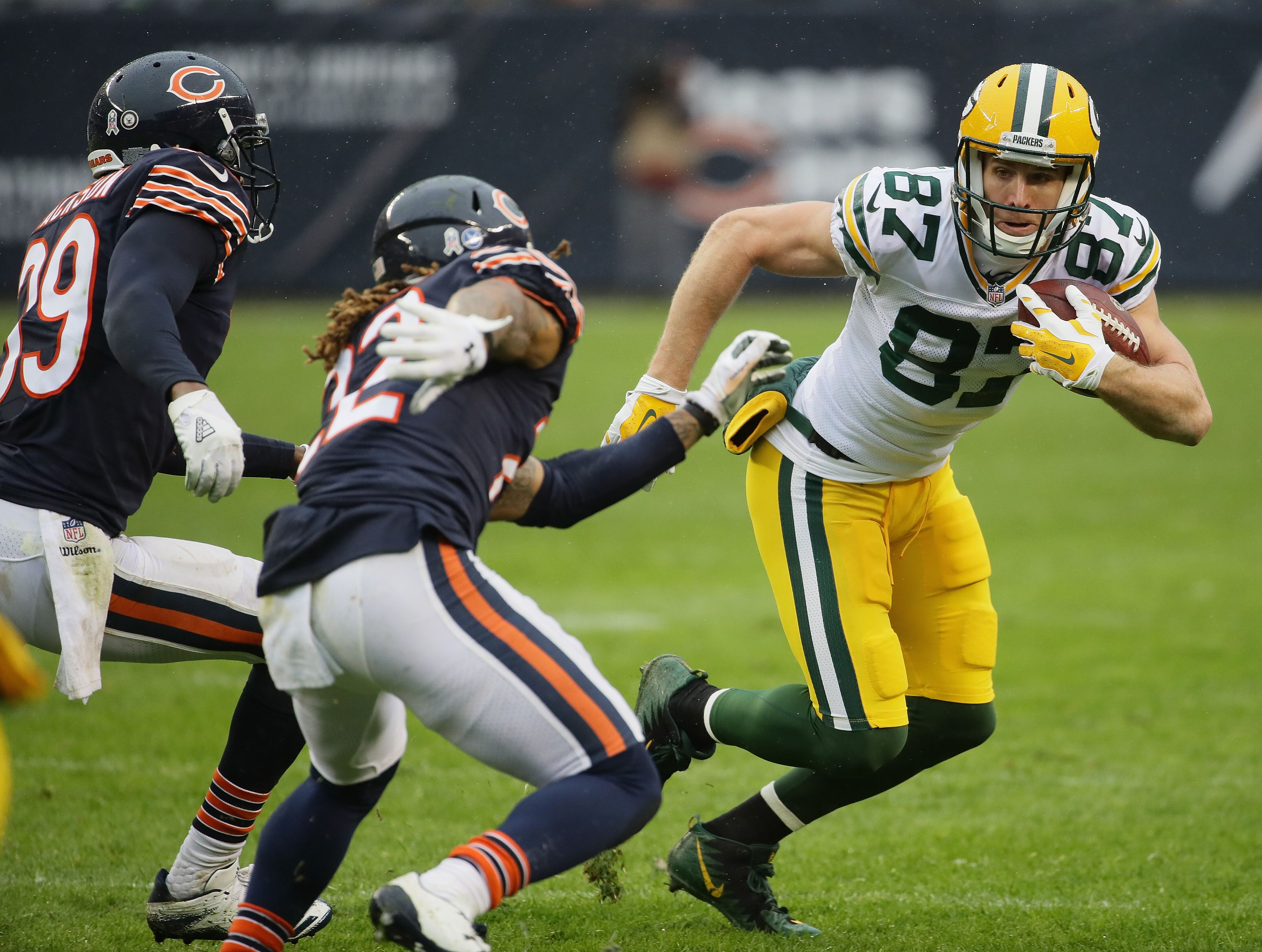 873349320-green-bay-packers-v-chicago-bears.jpg