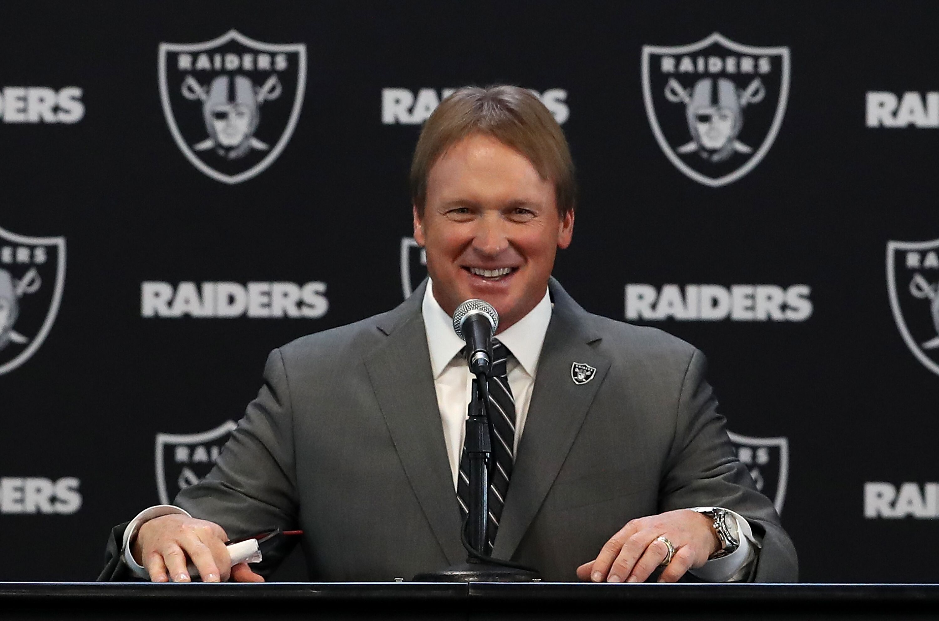 903070700-oakland-raiders-introduce-jon-gruden.jpg