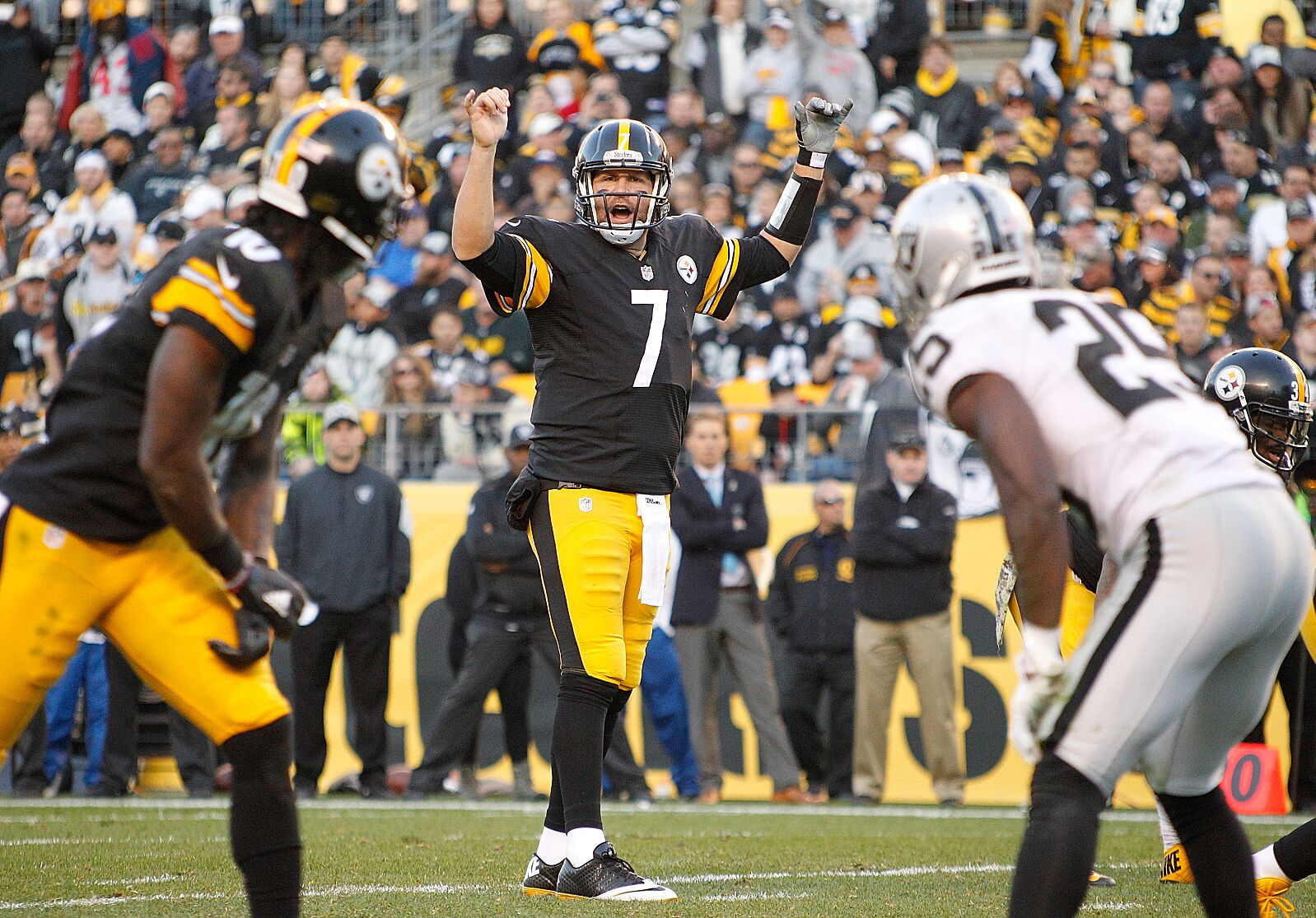 174ee523b Pittsburgh Steelers at Oakland Raiders  3 matchups to watch