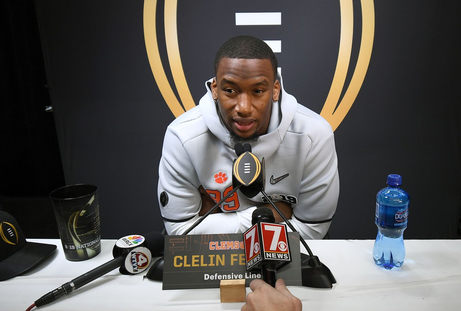 Oakland Raiders first round pick Clelin Ferrell has signed with the team