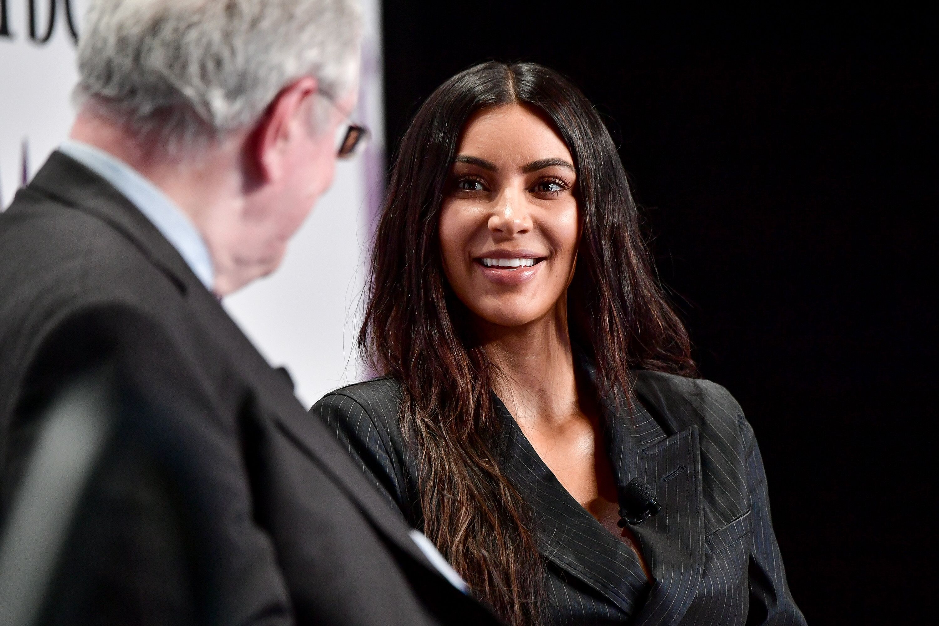 Kim Kardashian is naked again and this time, she climbed a tree [Photo]