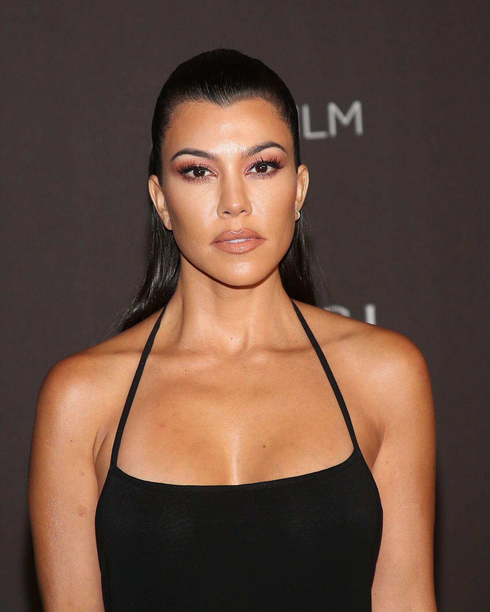 Wanna Be Kardashian Ͽ� Kourtney Ͽ� Midnight Cuddles Ͽ� Ͽ� I: Kourtney Kardashian Posts Photo In Stunning Bikini
