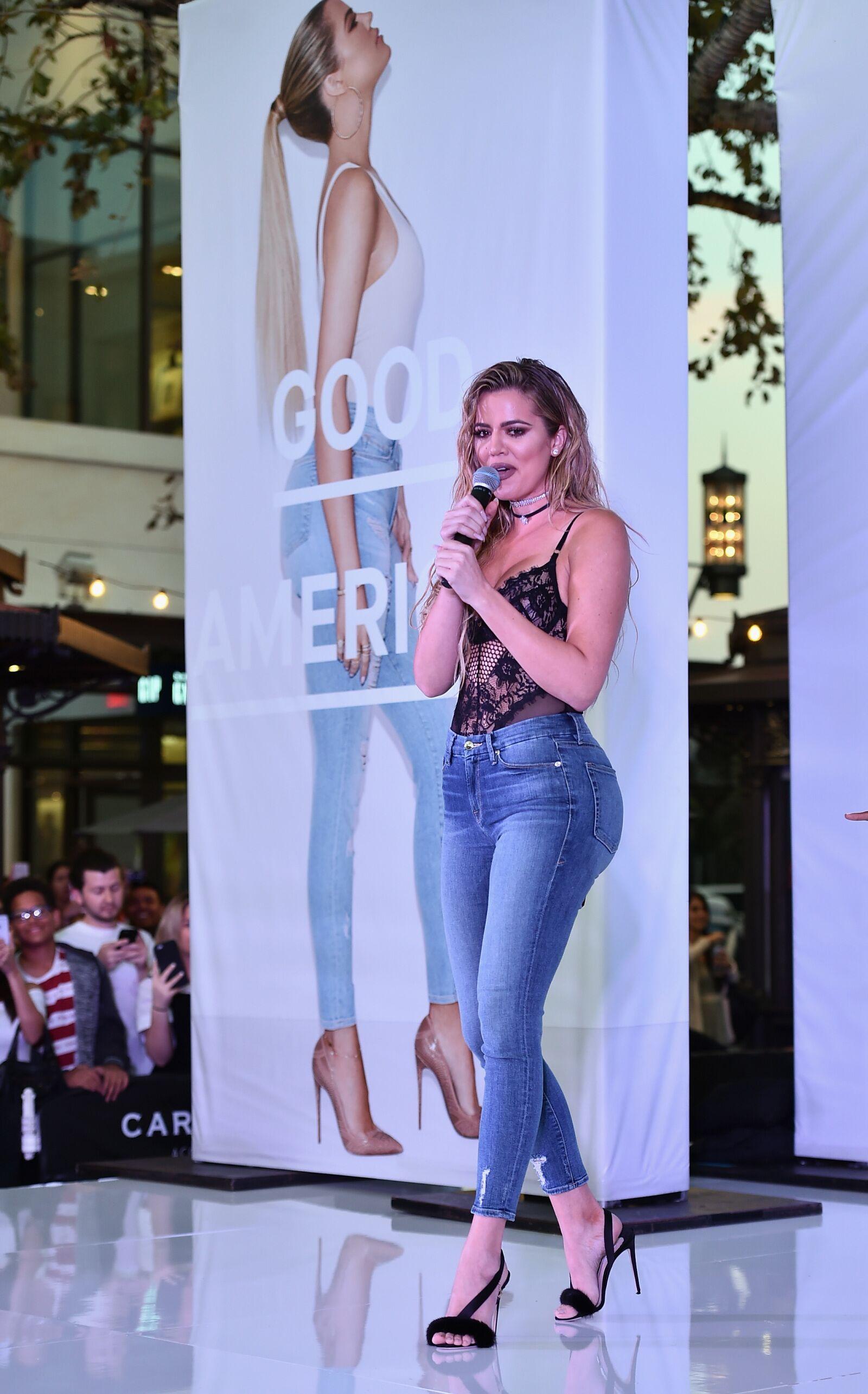 Khloe Kardashian slays in Good American leopard print bra and shorts pic 242c05630