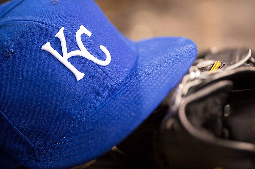 KC Royals: New Spring Training Hats Crown Royals