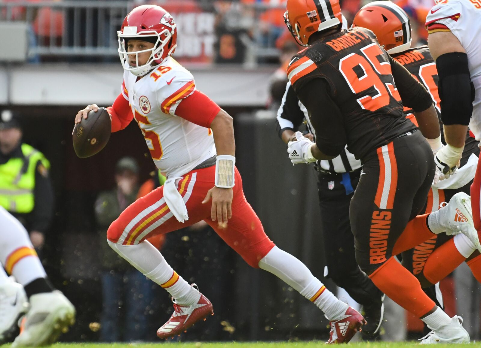 5b67c321fd30d Kansas City Chiefs: Patrick Mahomes sees Browns as competition in 2019