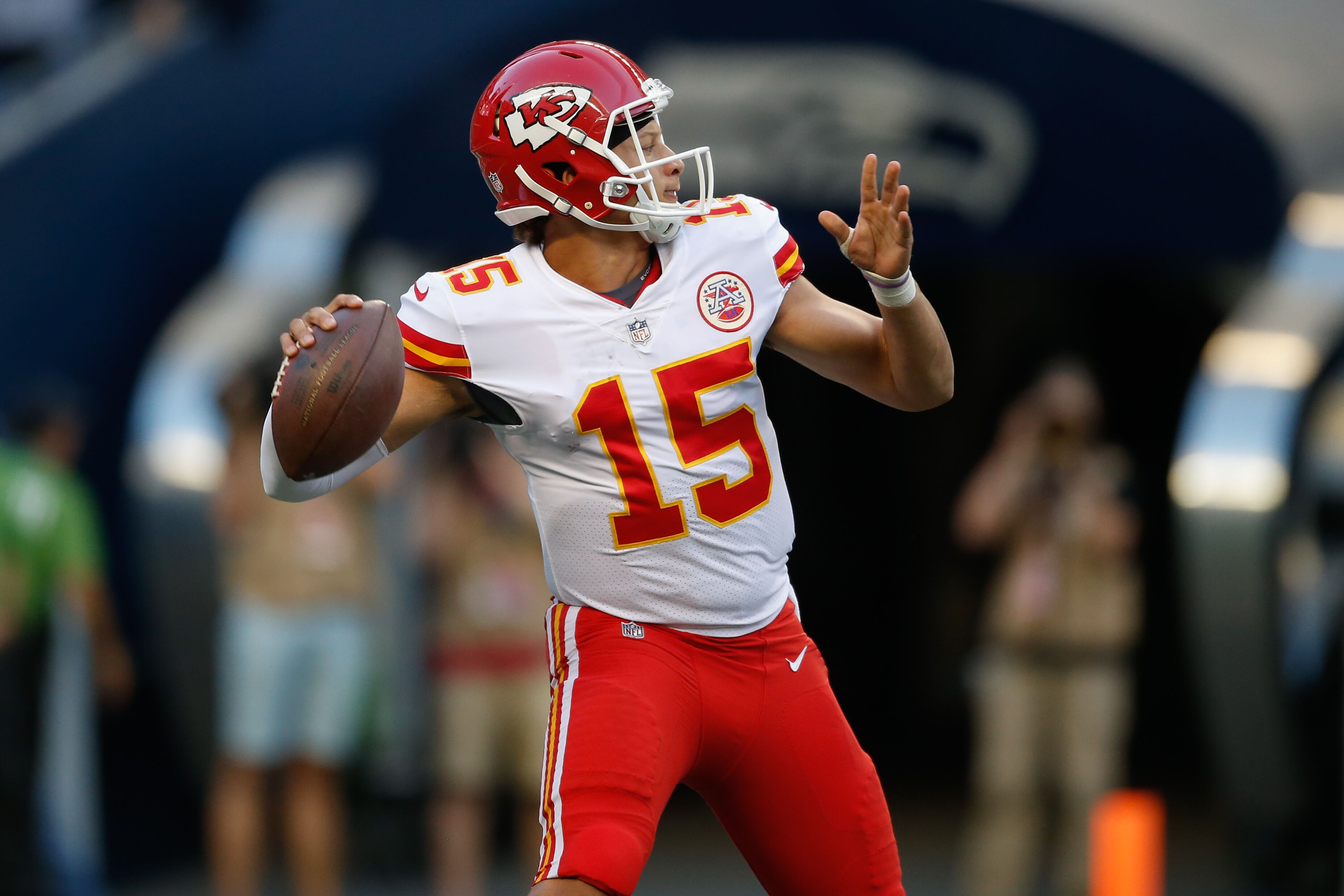 Kc Chiefs Pros And Cons Of Starting Patrick Mahomes This Season