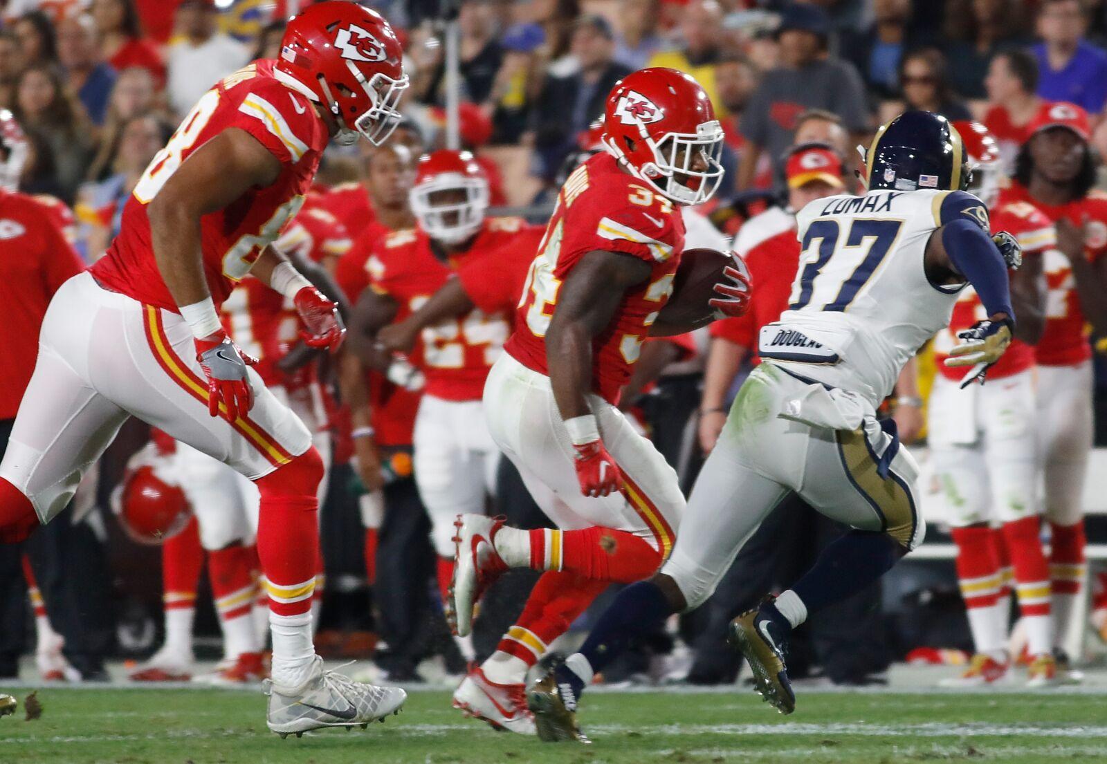 47f7492c298 Kansas City Chiefs vs Los Angeles Rams  Who has the edge