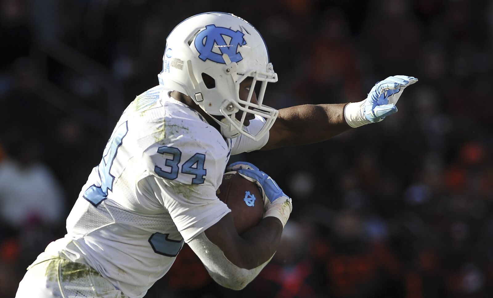f3704a705 UNC Football Alumni  Elijah Hood scores TD in first game with Panthers