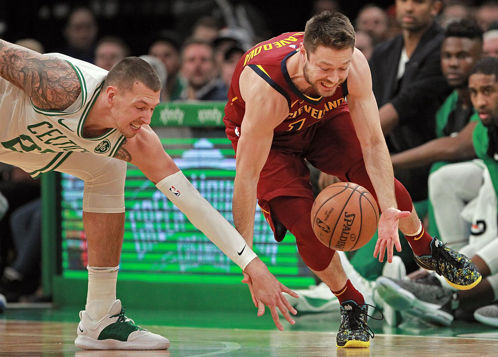 Cavs: Matthew Dellavedova's thumb injury highlights why he should come off bench when healthy