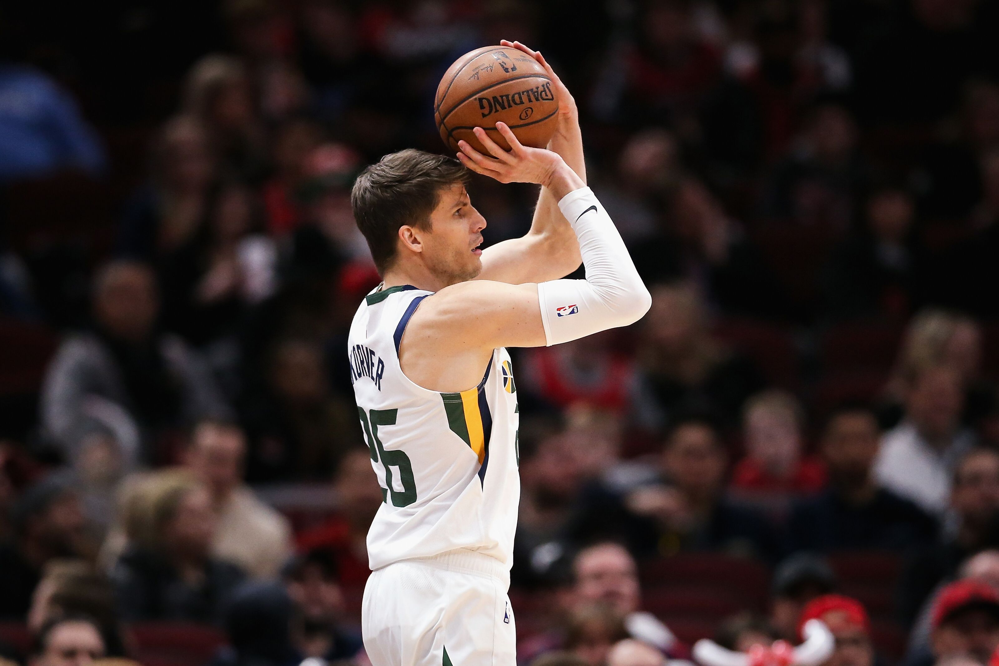 Former Cavs' sniper Kyle Korver reportedly signs with Bucks, and is quality addition