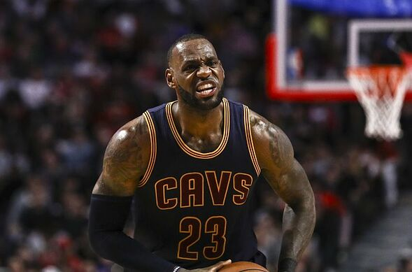 d885838e881 3 ways LeBron James can improve in the 2017-2018 season