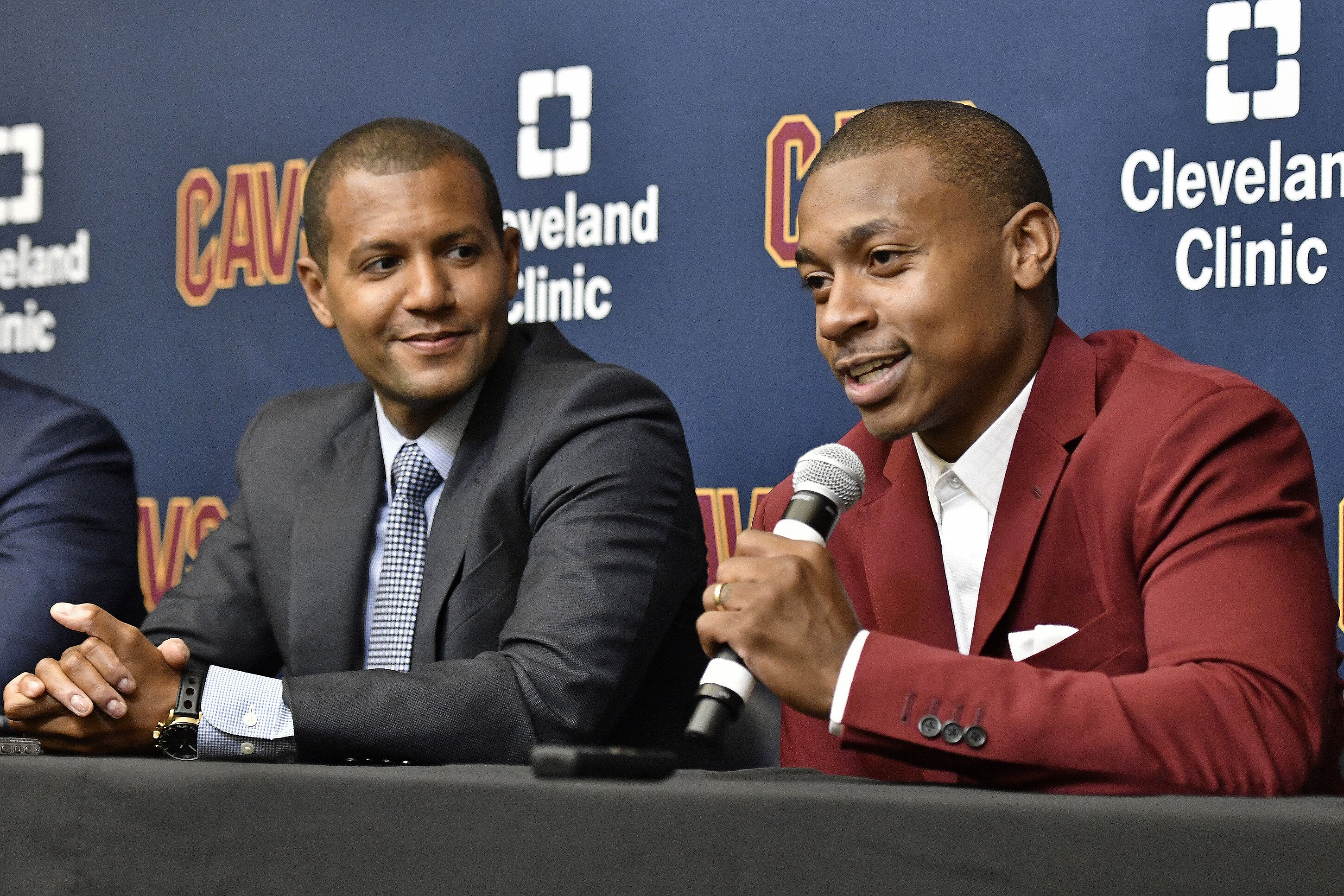 843818714-cleveland-cavaliers-introduce-isaiah-thomas-jae-crowder-and-ante-zizic.jpg