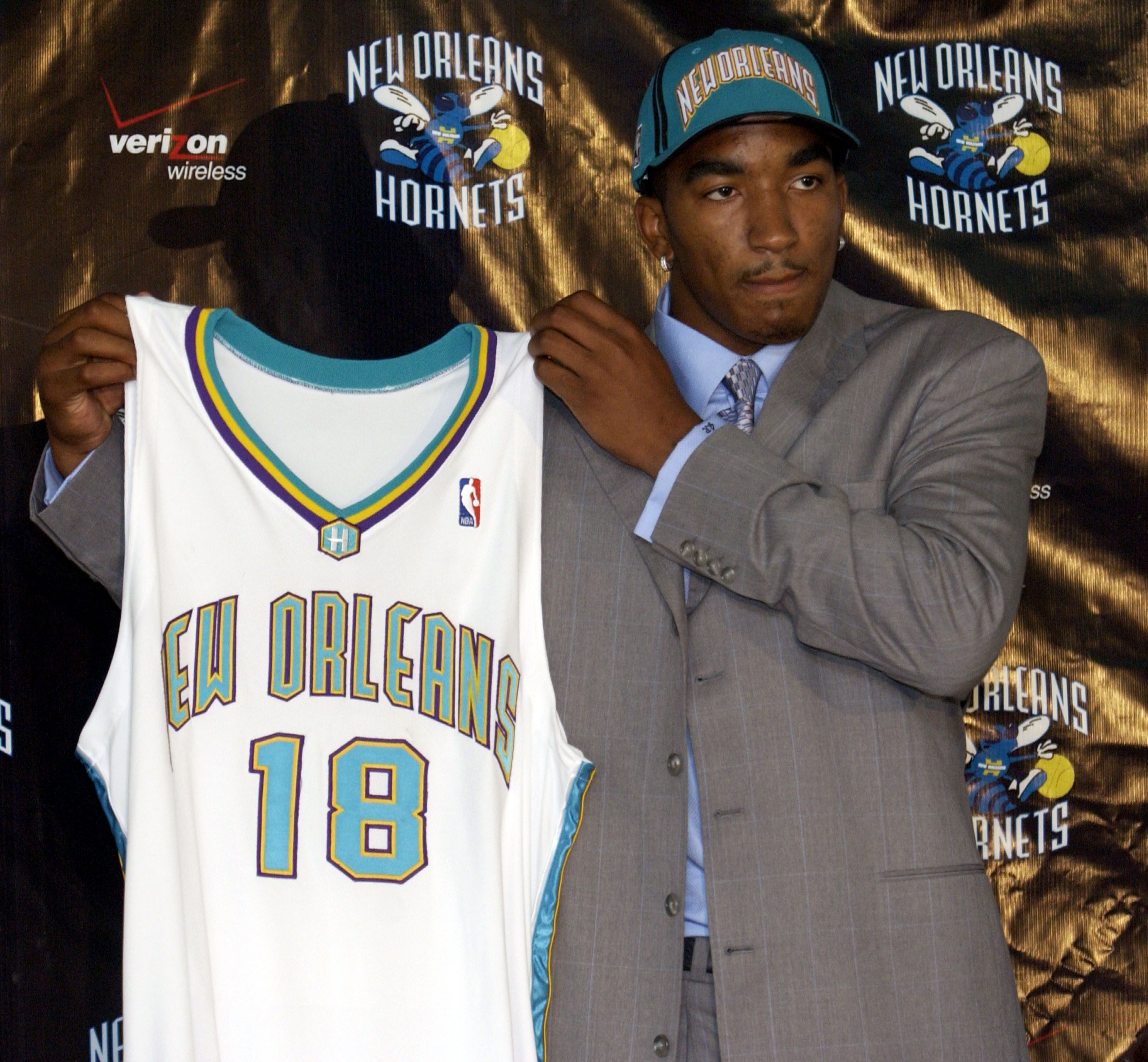 50997893-new-orleans-hornets-press-conference.jpg