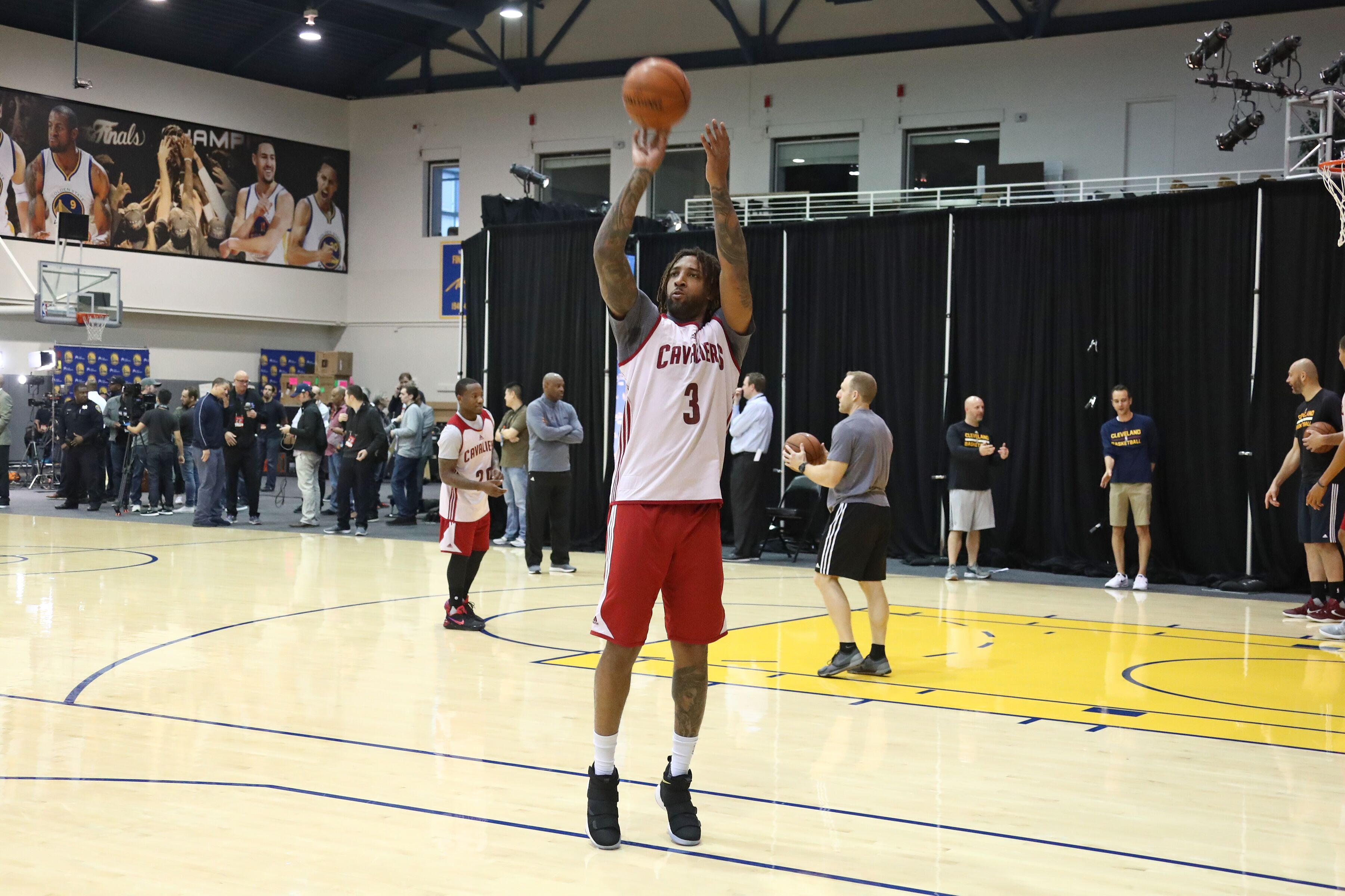 694957934-2017-nba-finals-practice-and-media-availability.jpg