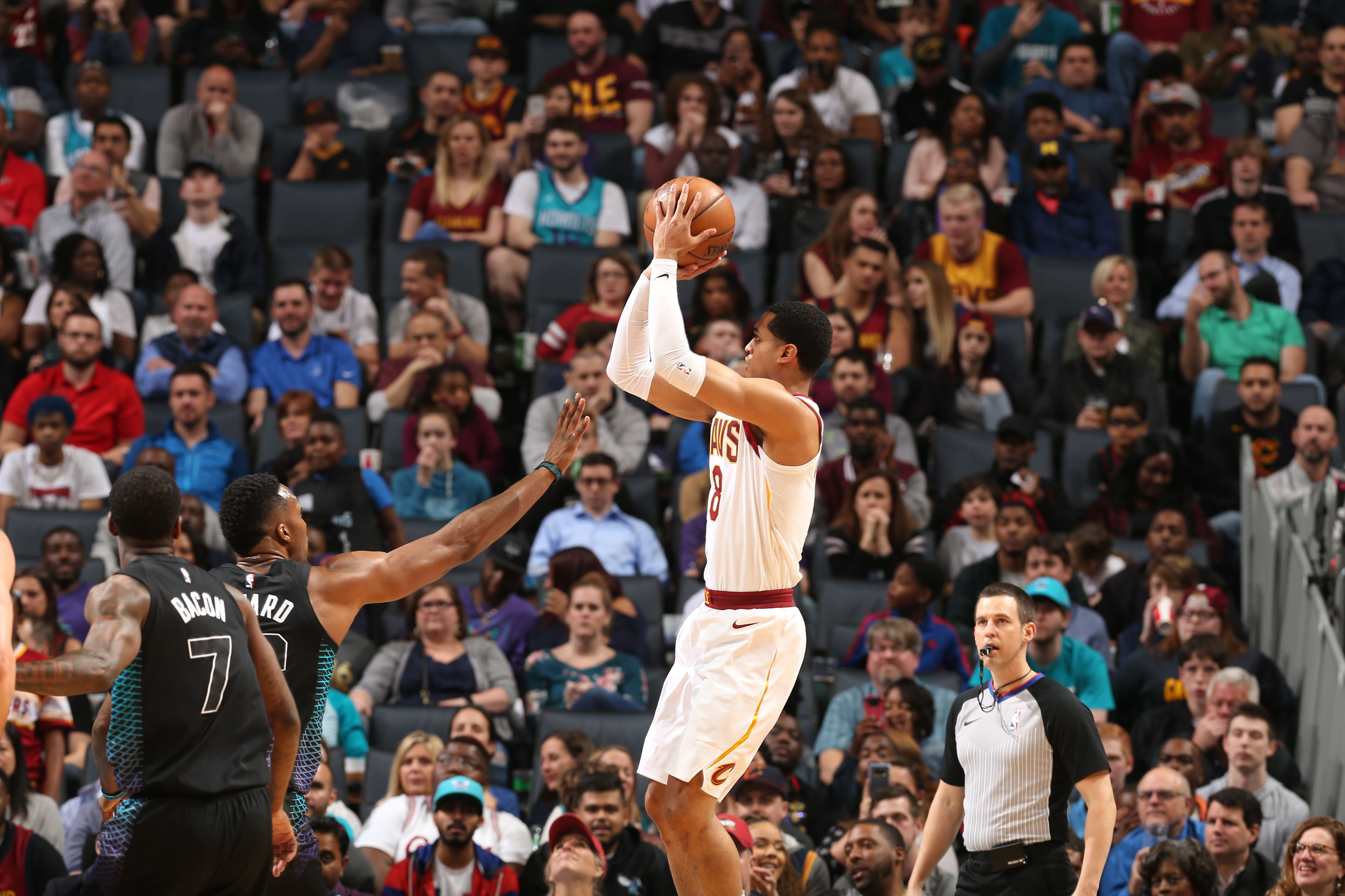 9b72c7243a7c Cleveland Cavaliers  Jordan Clarkson needs to show he can play off-ball