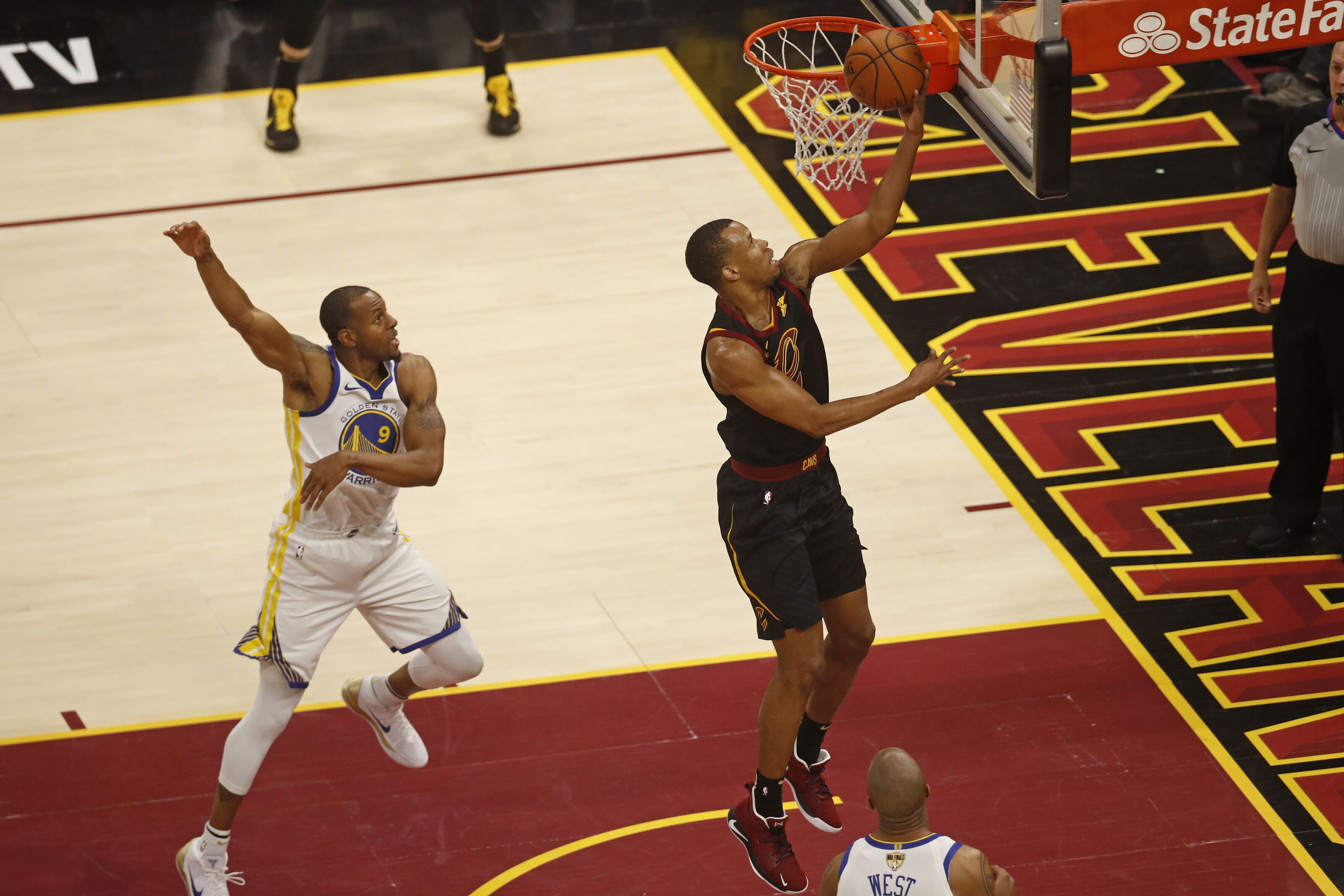 Cleveland Cavaliers want to sign Rodney Hood to three-year deal c59a5ee75