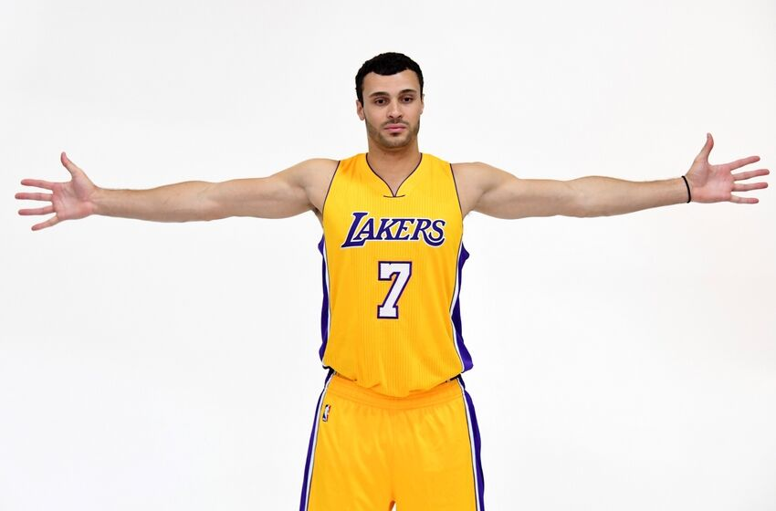 d4af93bb071 Lakers  10 Questions and Answers with Larry Nance Jr on Twitter