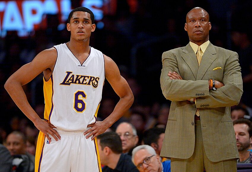 0d81b66d75d Jan 10, 2016; Los Angeles, CA, USA; Los Angeles Lakers head coach Byron  Scott talks with Los Angeles Lakers guard Jordan Clarkson (6) during the  first half ...