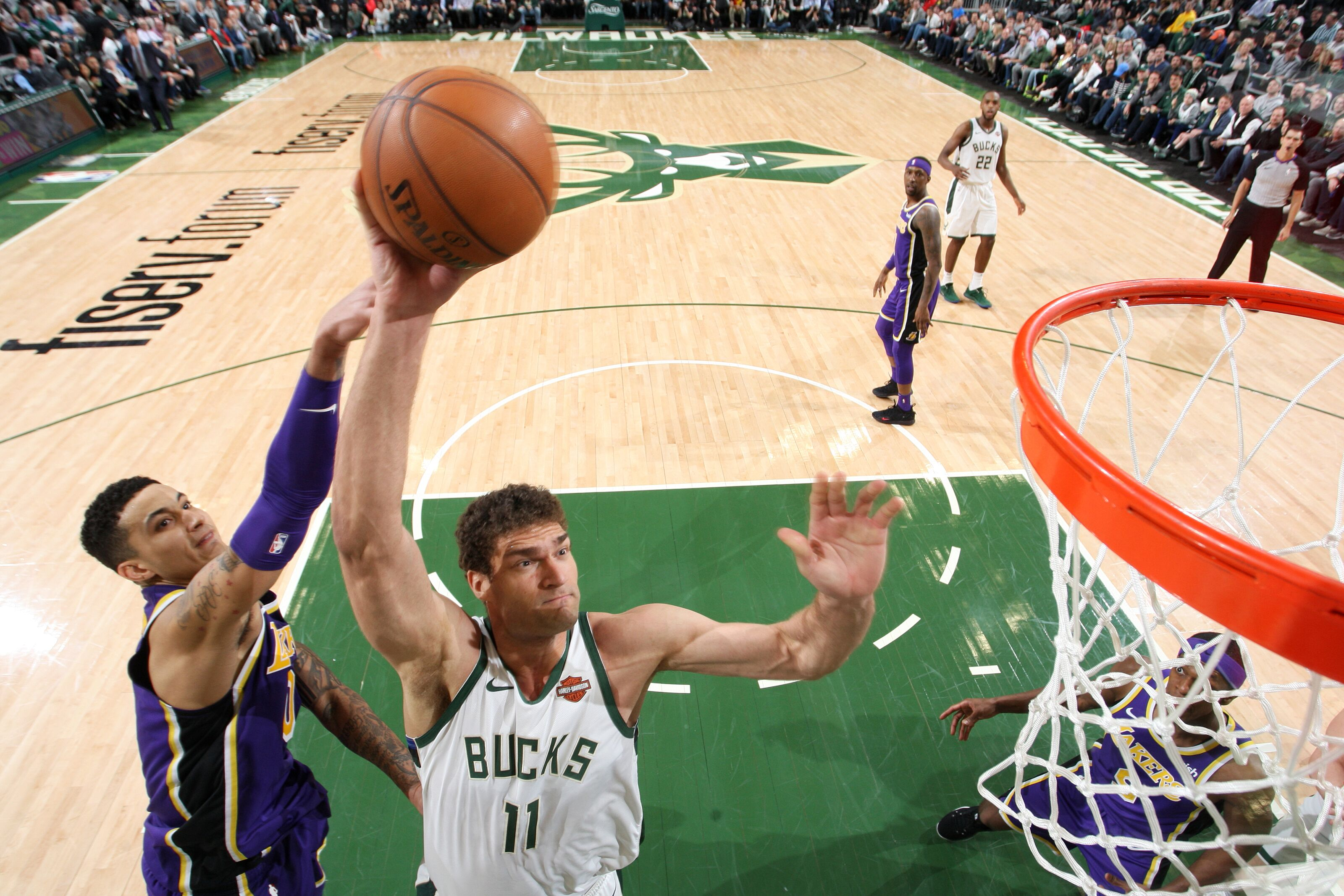Los Angeles Lakers: Brook Lopez proves franchise made a mistake