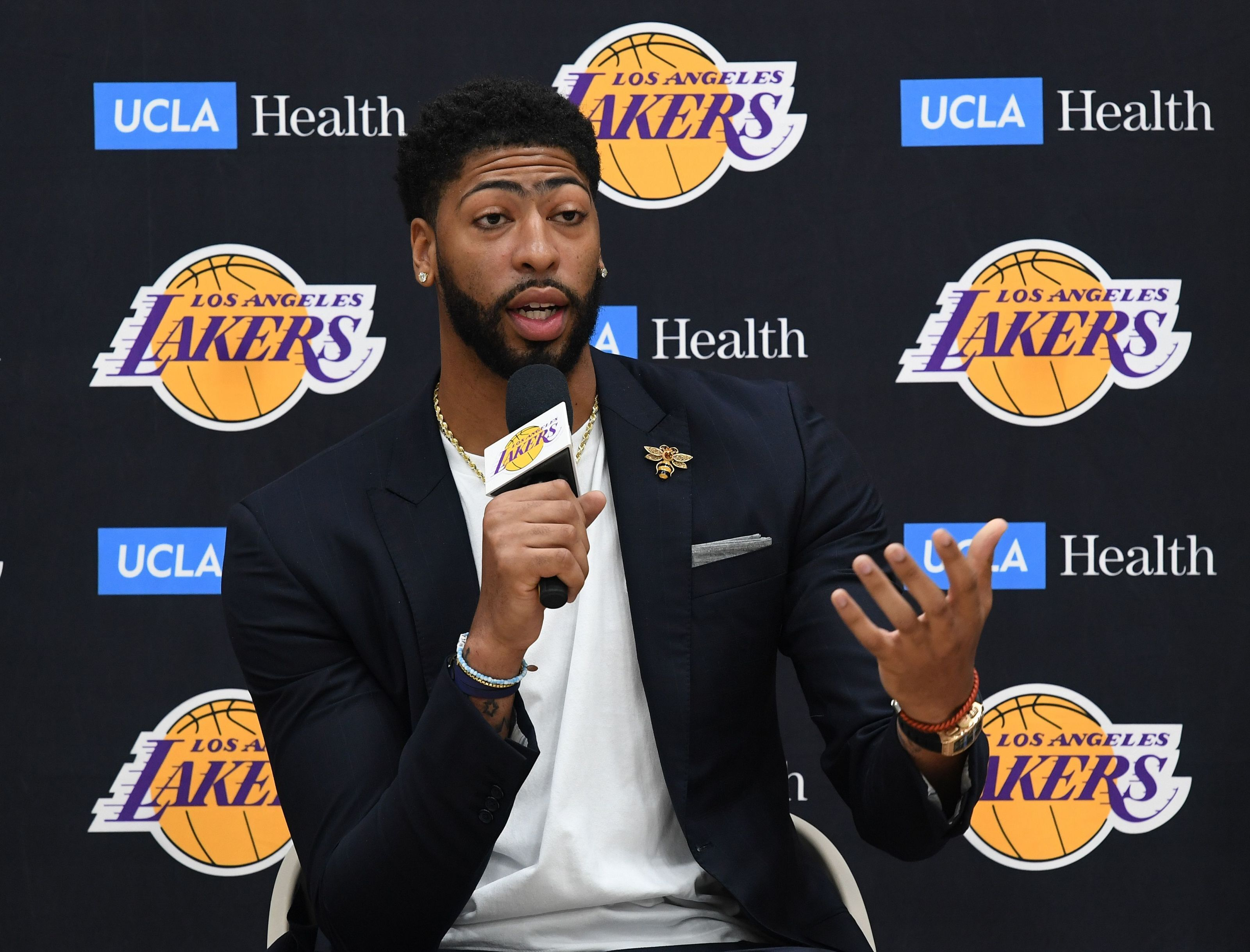 Los Angeles Lakers: Anthony Davis is highest rated center in NBA 2K20