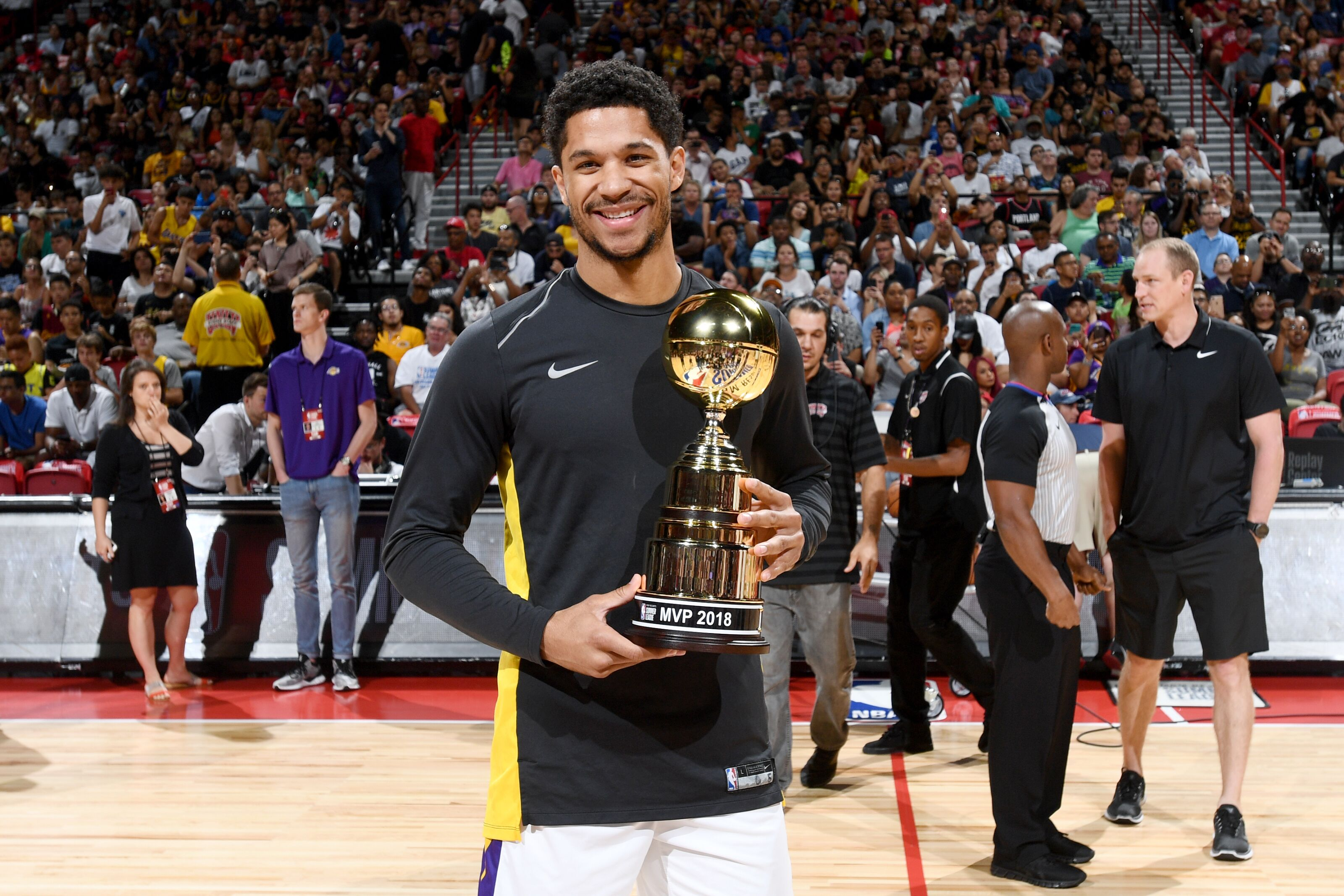 3d5eb50d136 Los Angeles Lakers  KCP believes that Josh Hart is improving