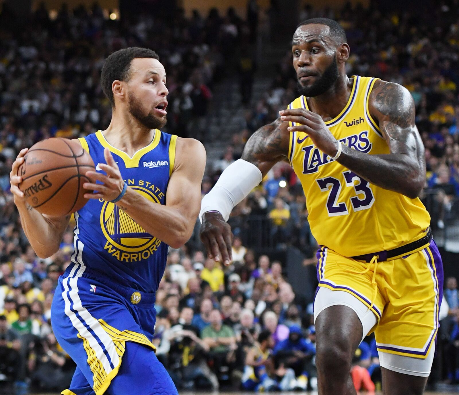 403982e17bb Los Angeles Lakers: LeBron James moves atop jersey sales