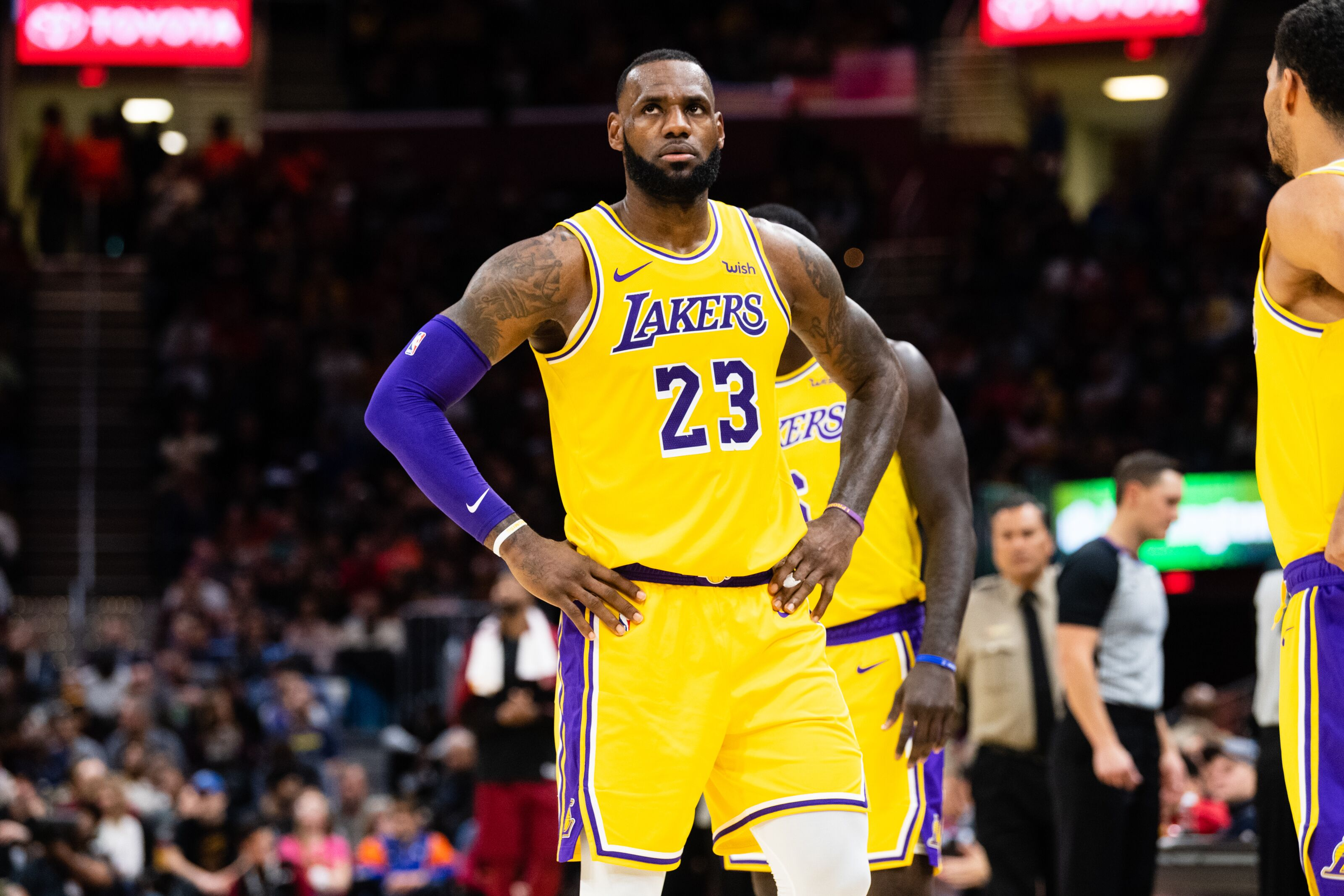 0b8515a2770 Los Angeles Lakers: LeBron James comes home to Cleveland...3 lessons!