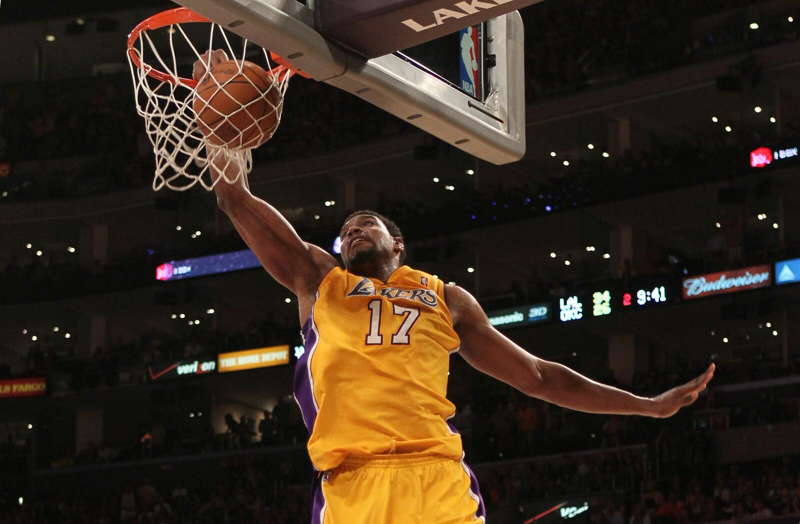 d54ac8abae6 Lakers Rumors: Andrew Bynum works out at practice facility