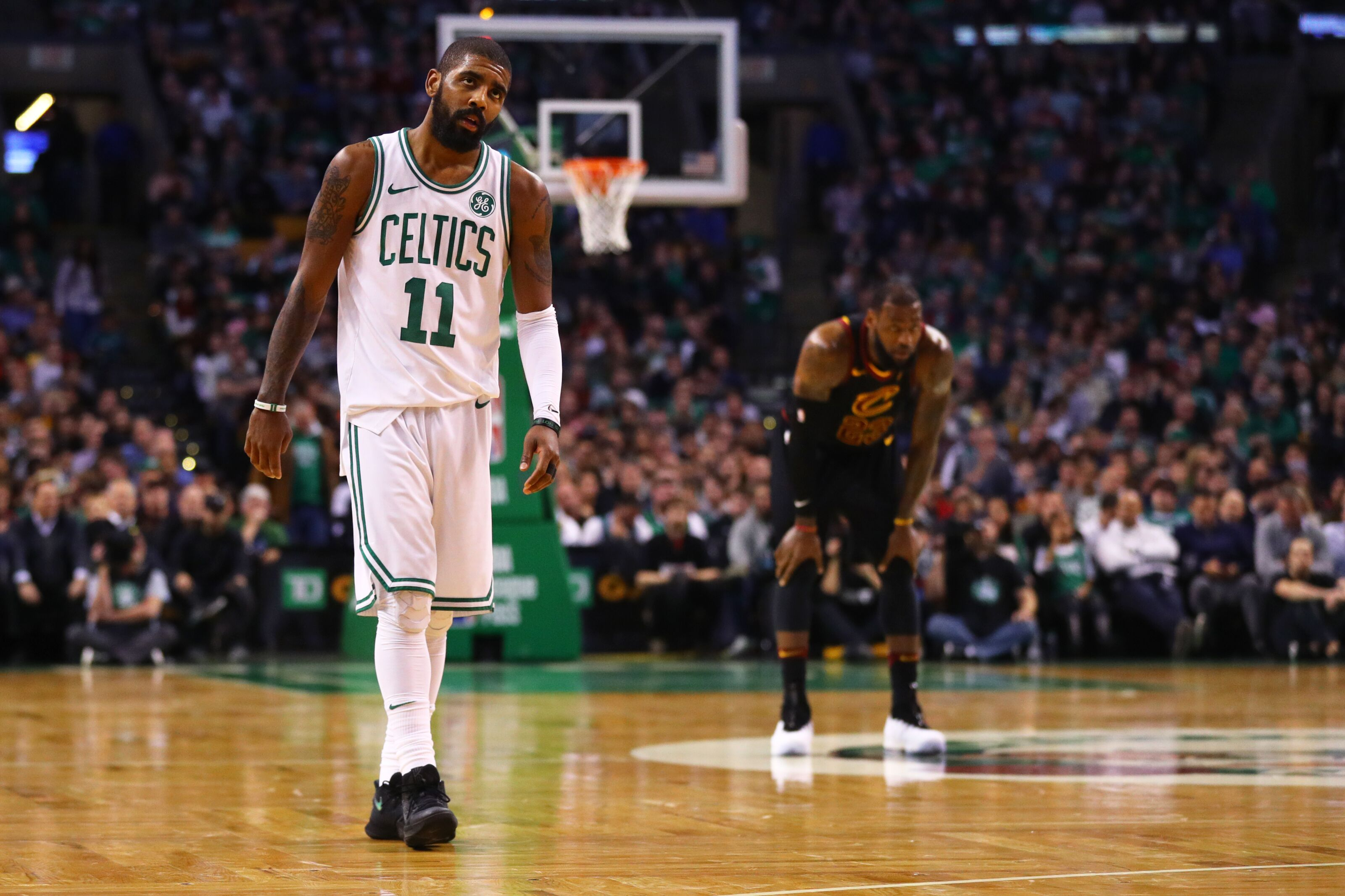 c60605f747a Lakers Rumors: Kyrie Irving interested in playing with LeBron James again