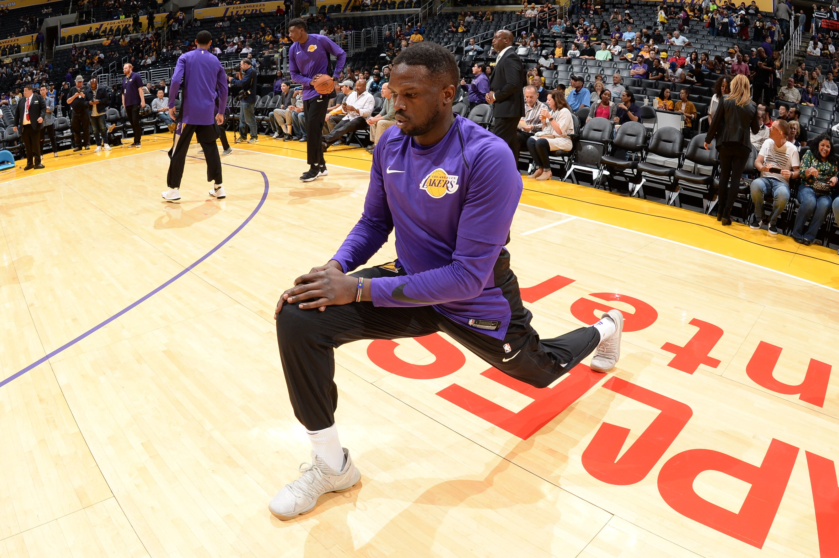 Los Angeles Lakers Luke Walton doesn t believe Luol Deng is a