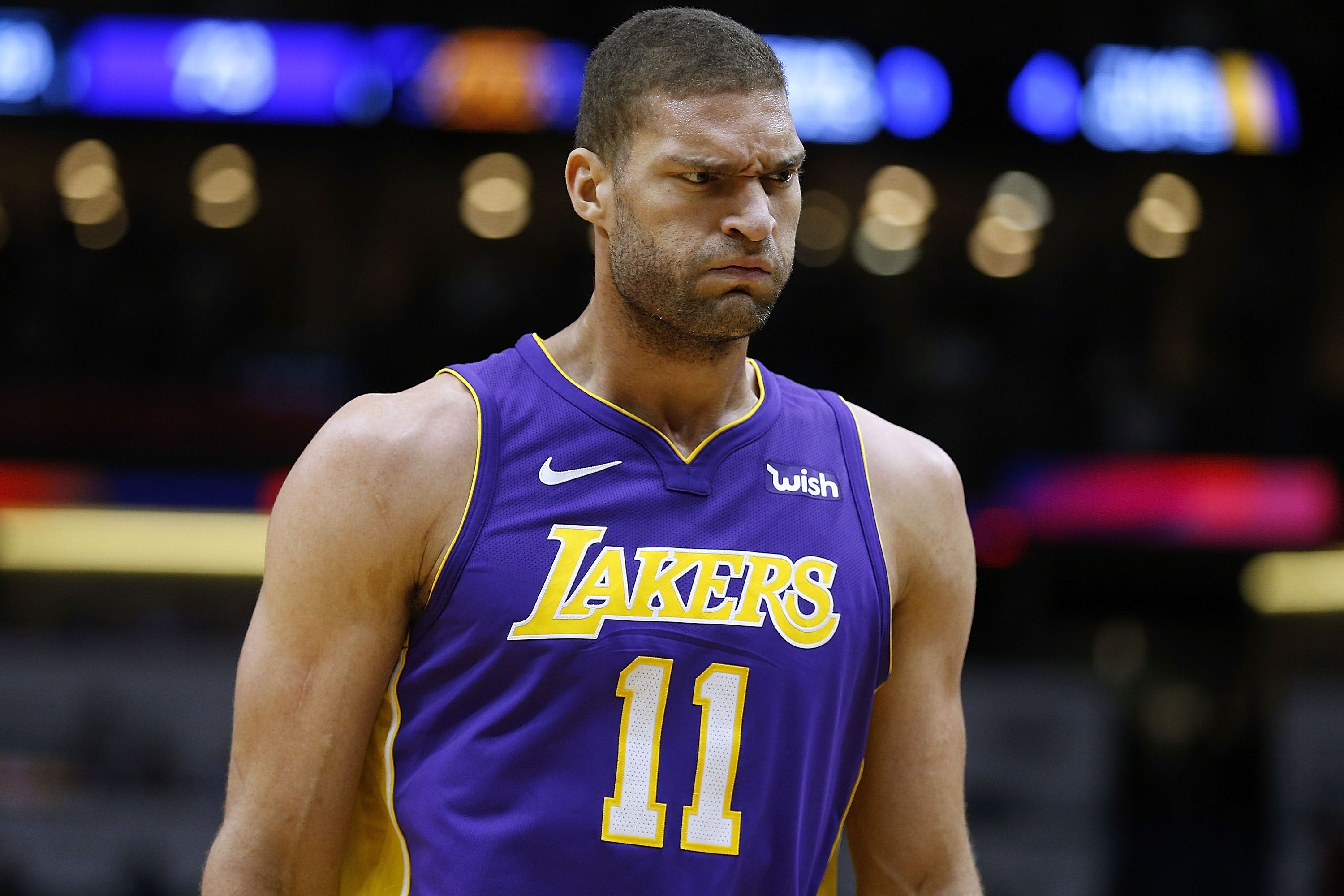 sports shoes a2204 b1f15 Los Angeles Lakers: Should team re-sign Brook Lopez