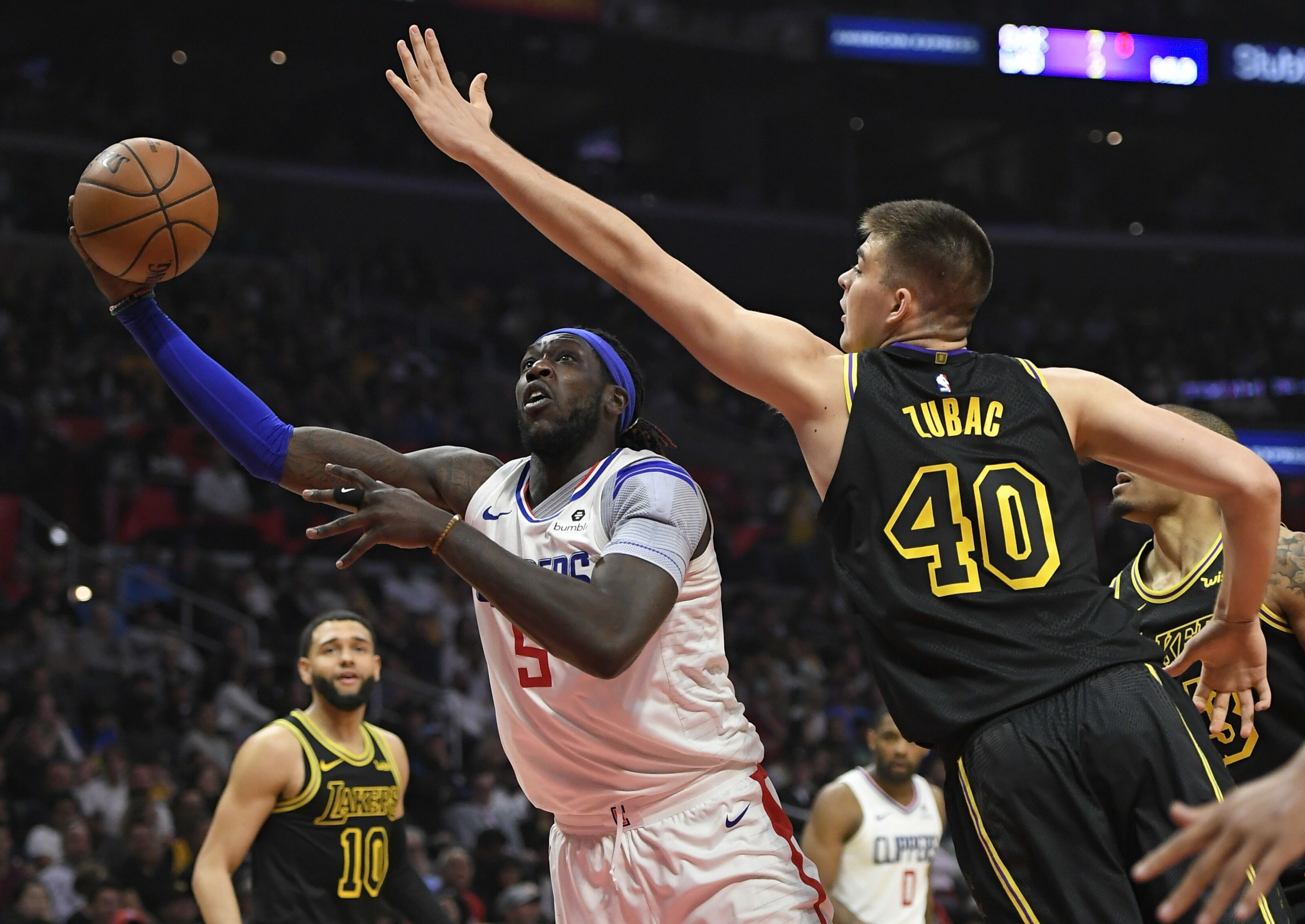 945031458-los-angeles-lakers-v-los-angeles-clippers.jpg