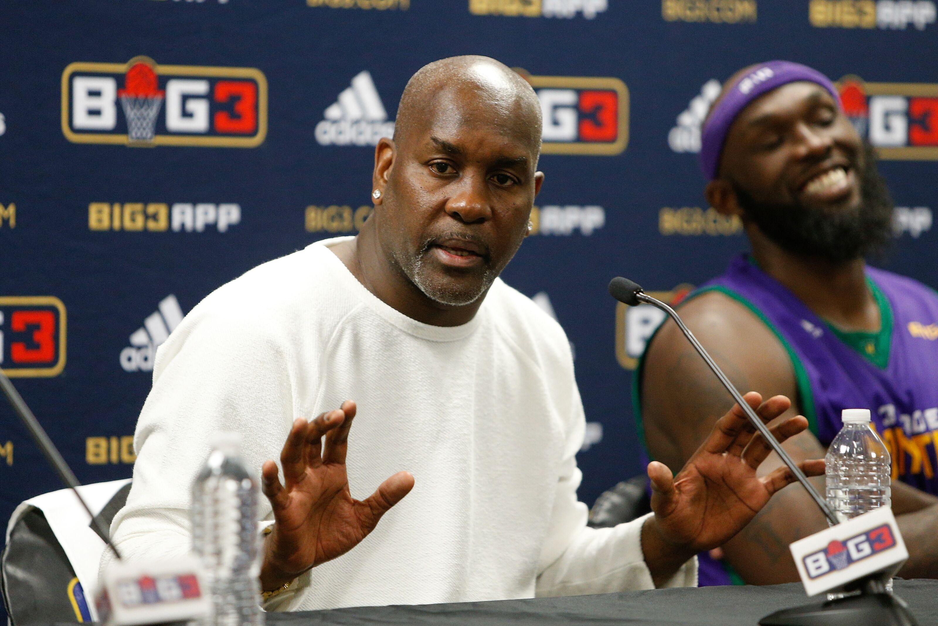 86c932b1b Los Angeles Lakers  Payton Explains 2004
