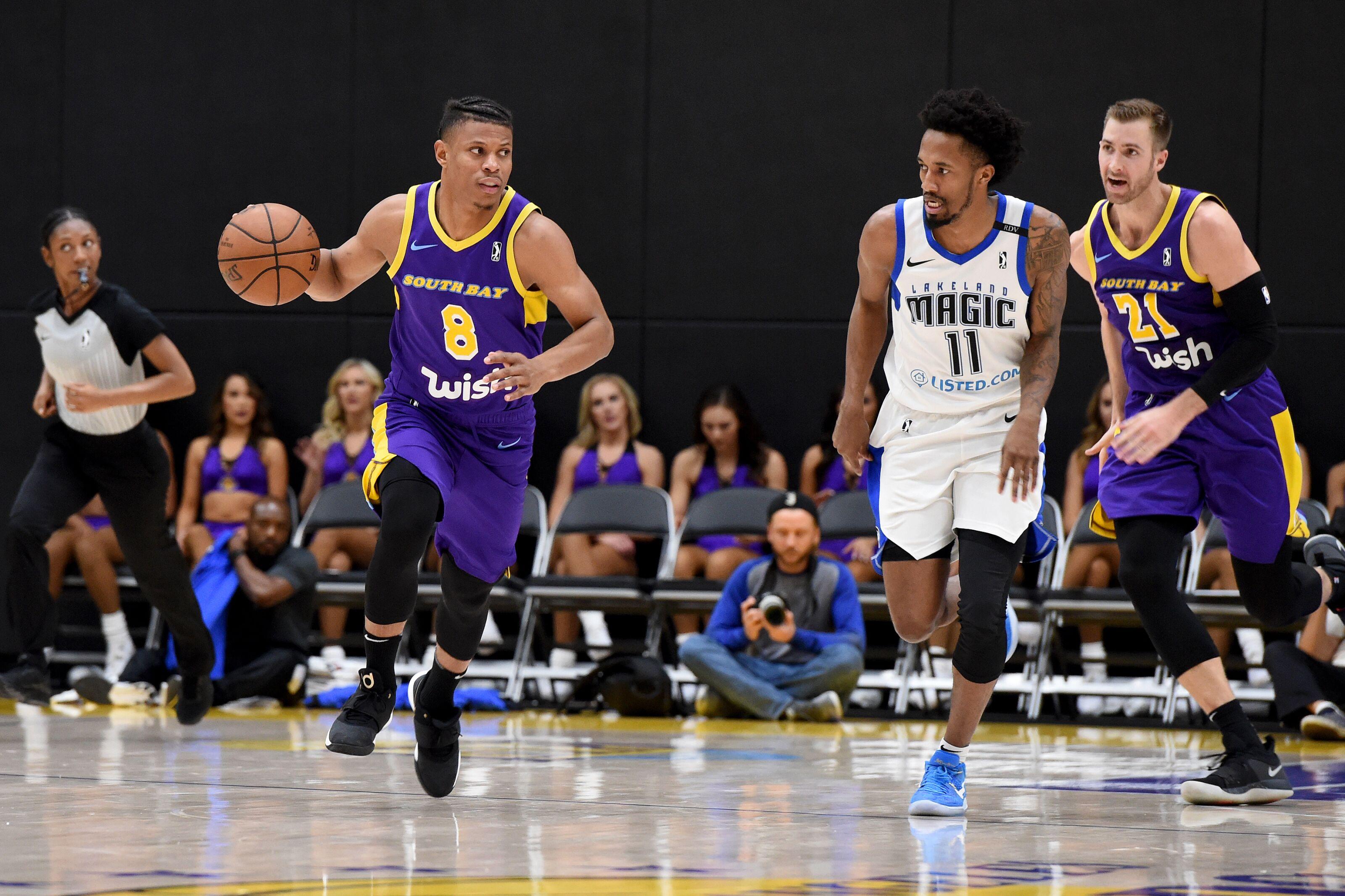 5dda3331547 Los Angeles Lakers: 3 reasons to sign Scott Machado for the season