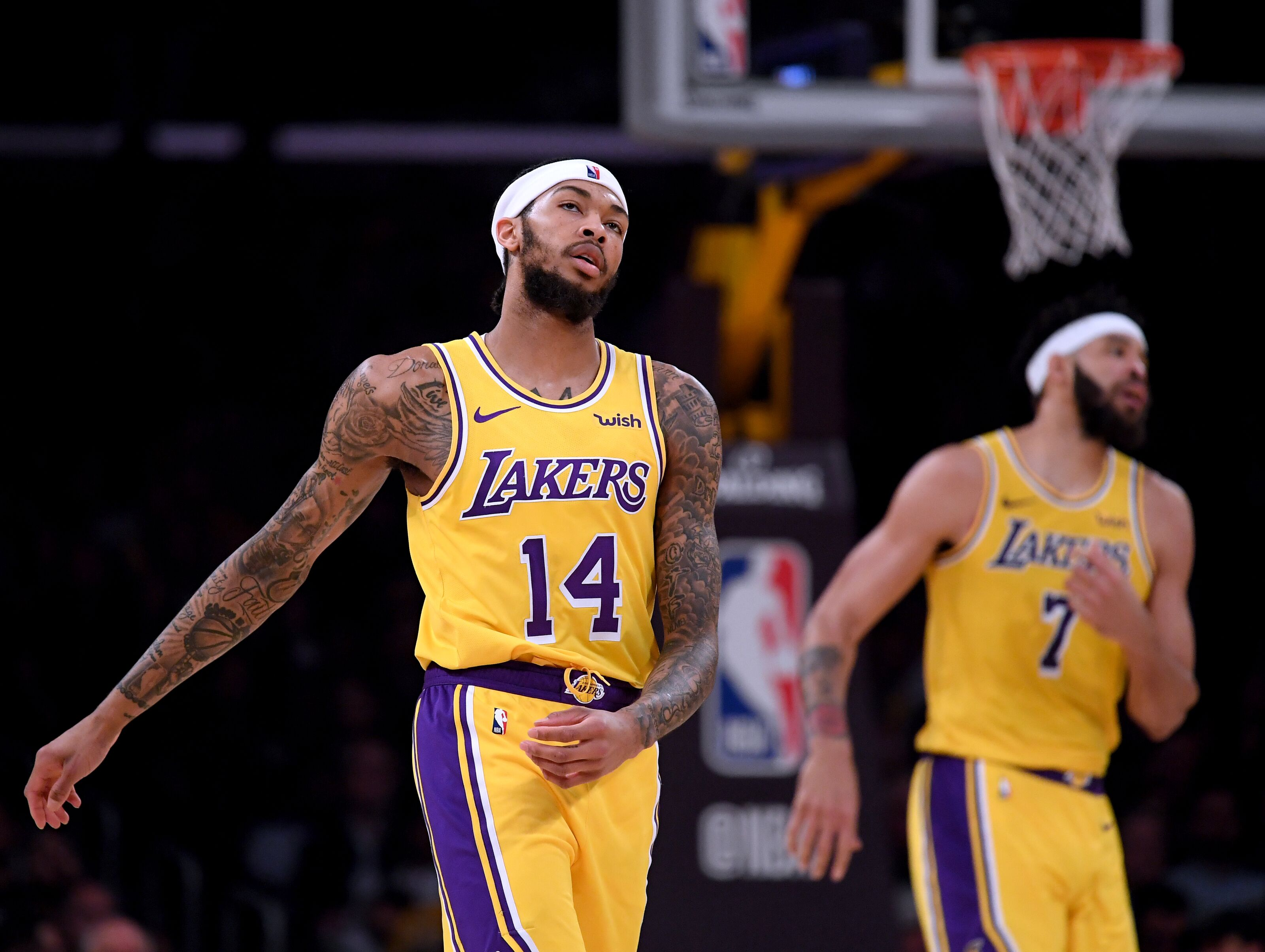 dbd6e5980 Los Angeles Lakers  Late setbacks a microcosm of entire season