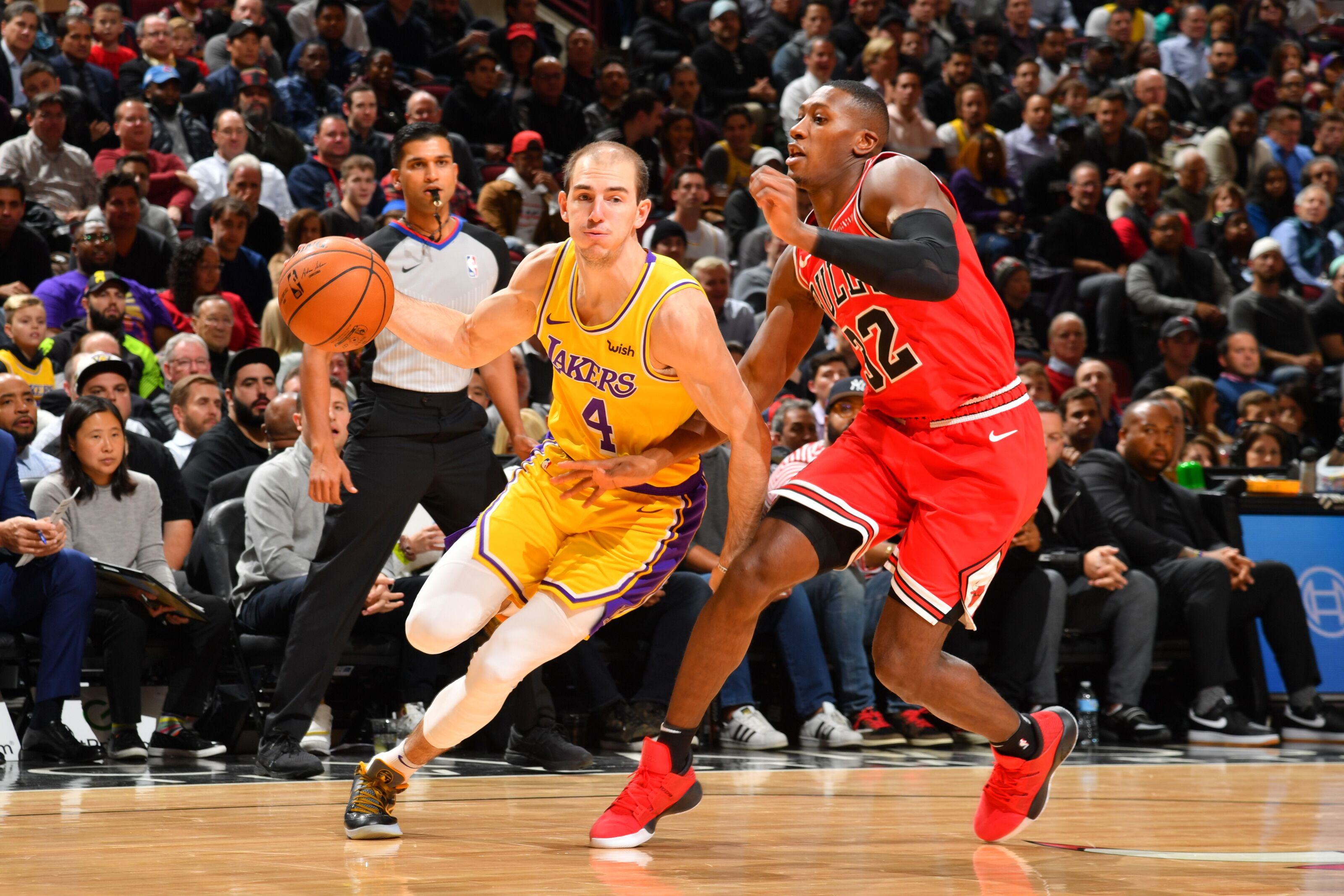 Los Angeles Lakers: Should Alex Caruso be the backup point guard?