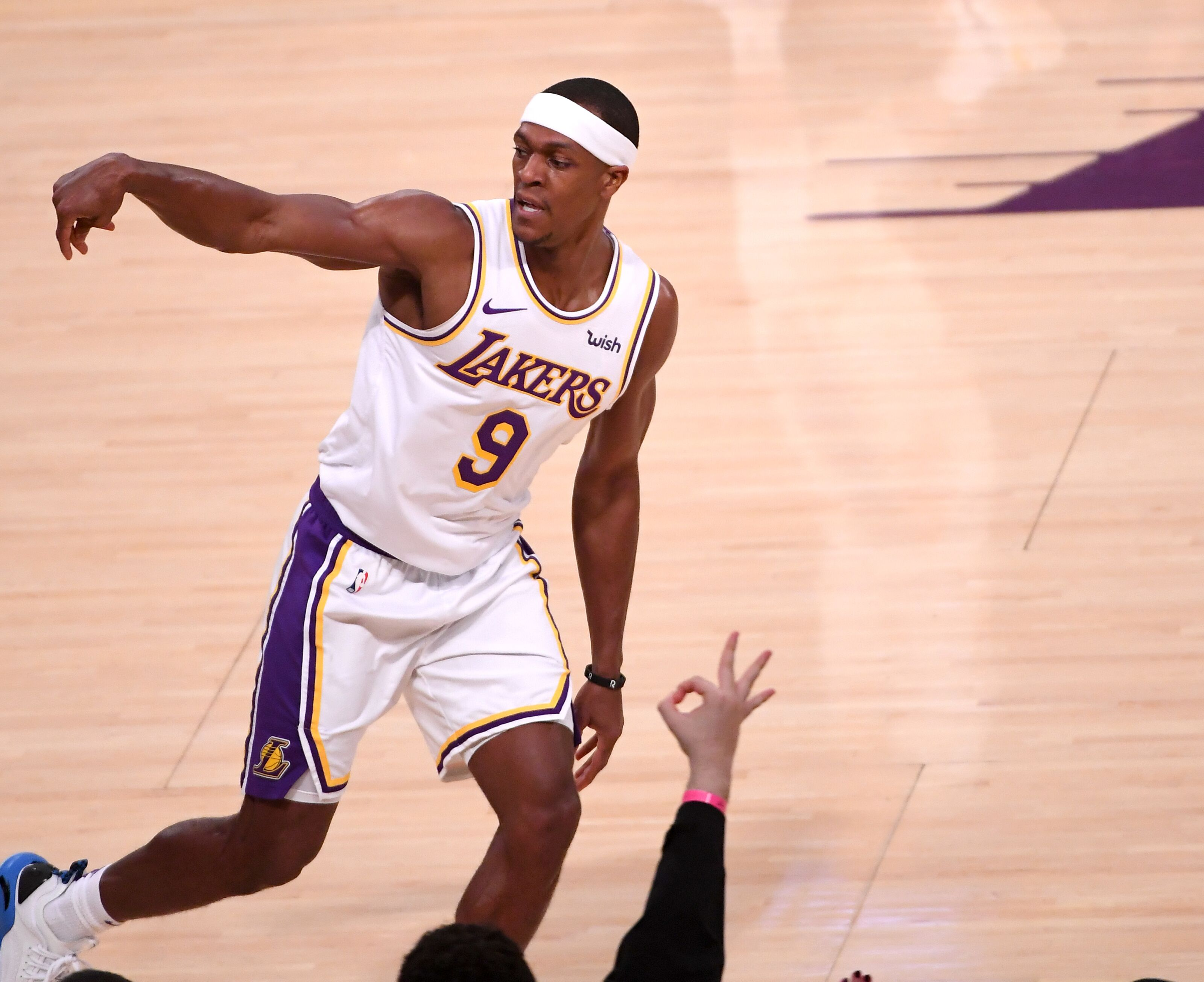 Los Angeles Lakers currently have a Rajon Rondo problem
